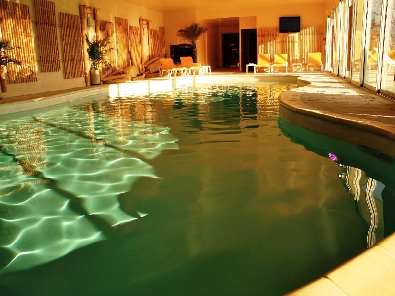 Cuisine gastronomique deauville vue piscine