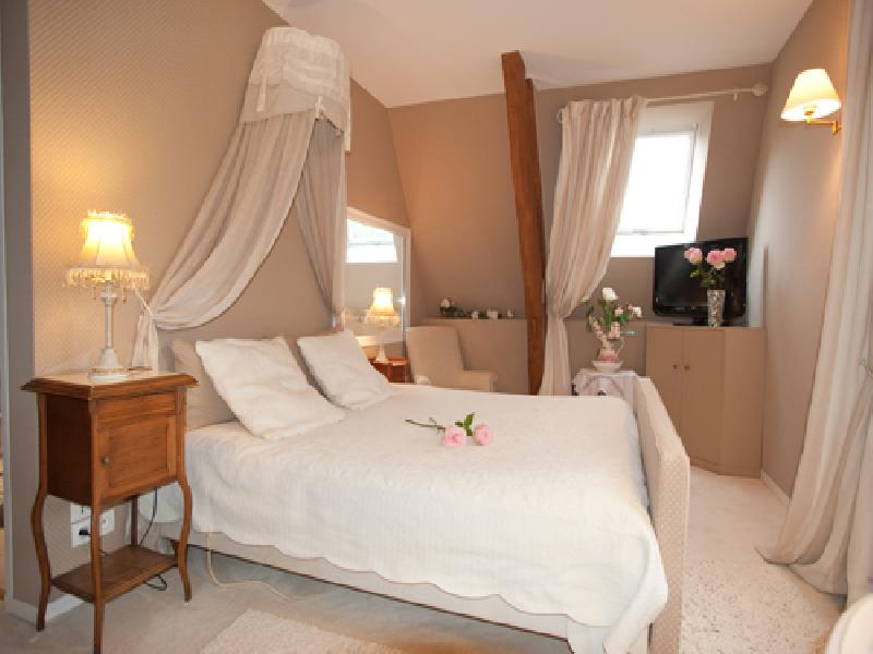 chambres d 39 hotes deauville honfleur les chambres d 39 hotes de charme entre deauville et honfleur. Black Bedroom Furniture Sets. Home Design Ideas