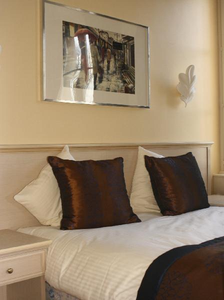 Hotel honfleur chambre luxe jacuzzi best western le - Chambre avec jacuzzi normandie ...