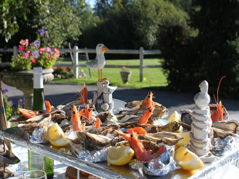 Planche de Fruits de Mer dans le Jardin...