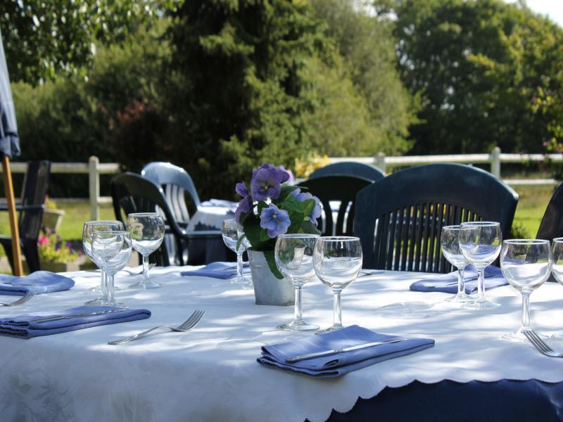 Déjeuner dans le Jardin...