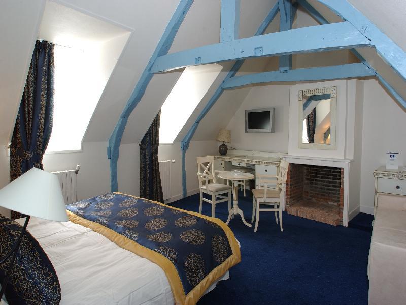 offre hotel honfleur week end en amoureux avec bain jacuzzi et champagne. Black Bedroom Furniture Sets. Home Design Ideas