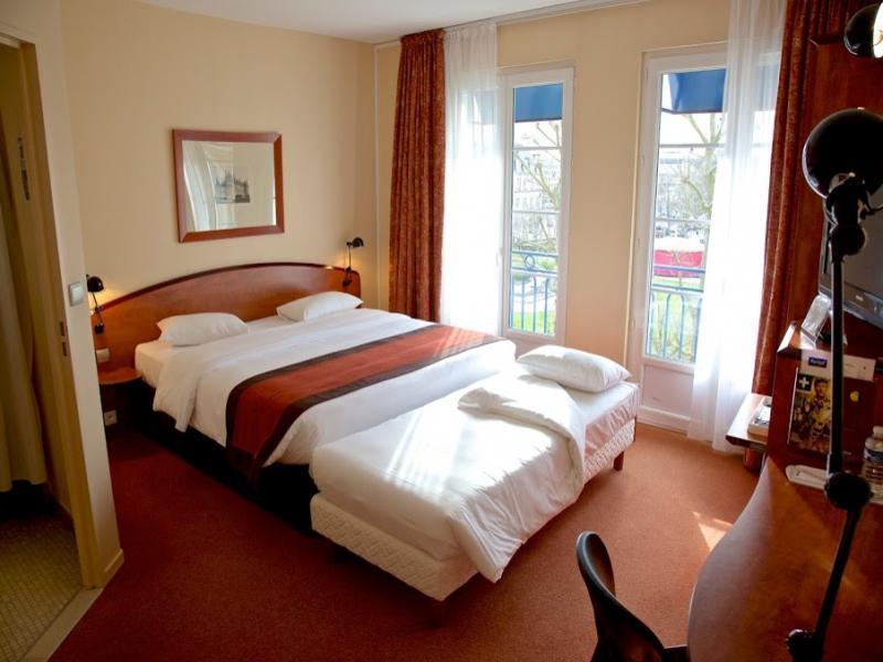 Royal hotel caen centre chambre communicante hotel kyriad for Chambre communicante hotel
