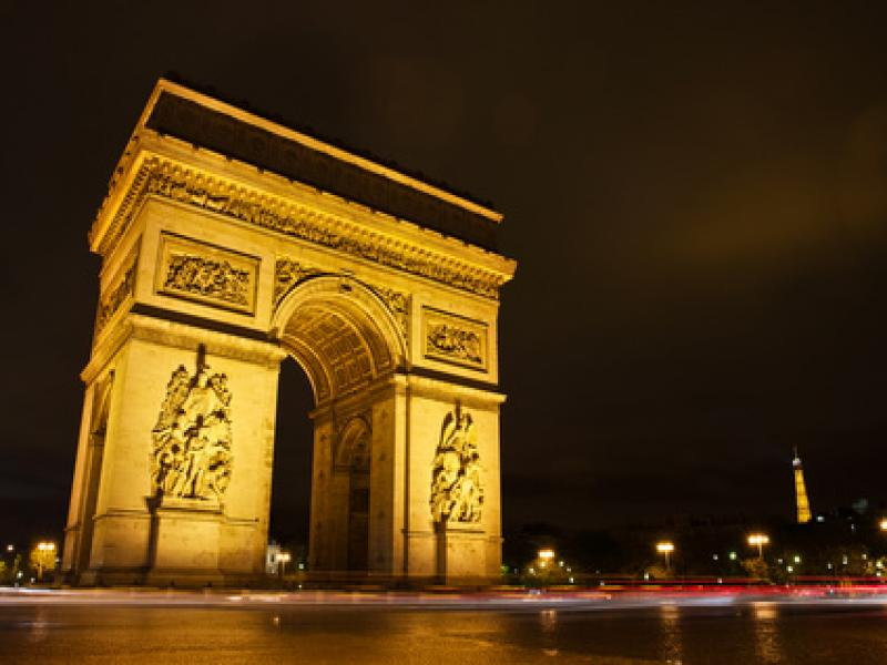 visiter paris by night