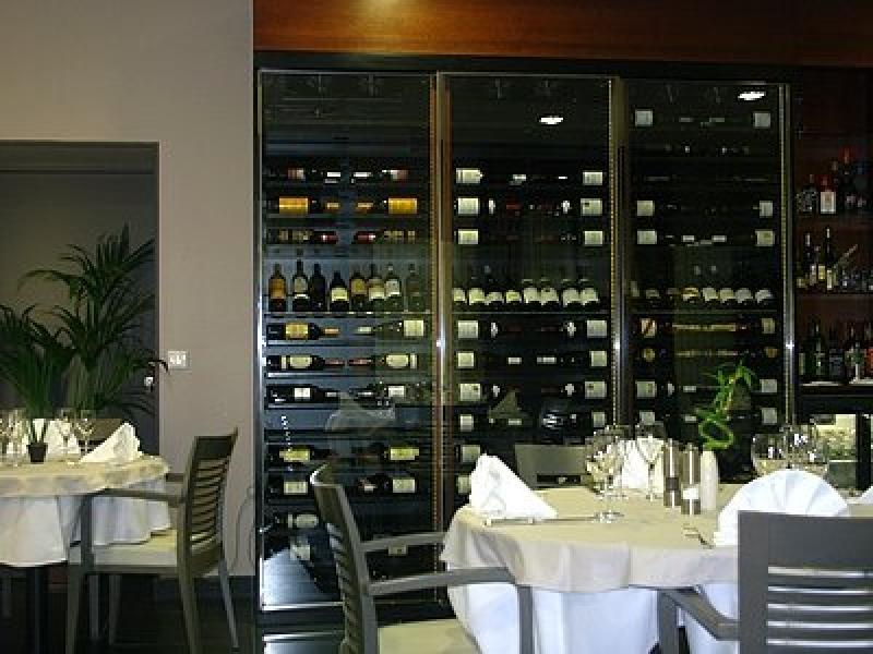 bibliothèque de vins