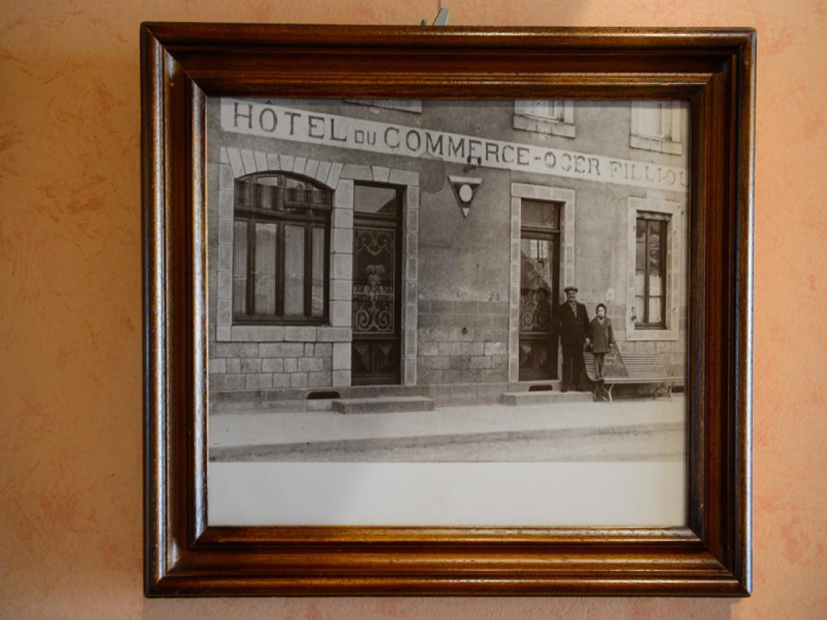 il y a 130 ans... l'hotel du commerce ....