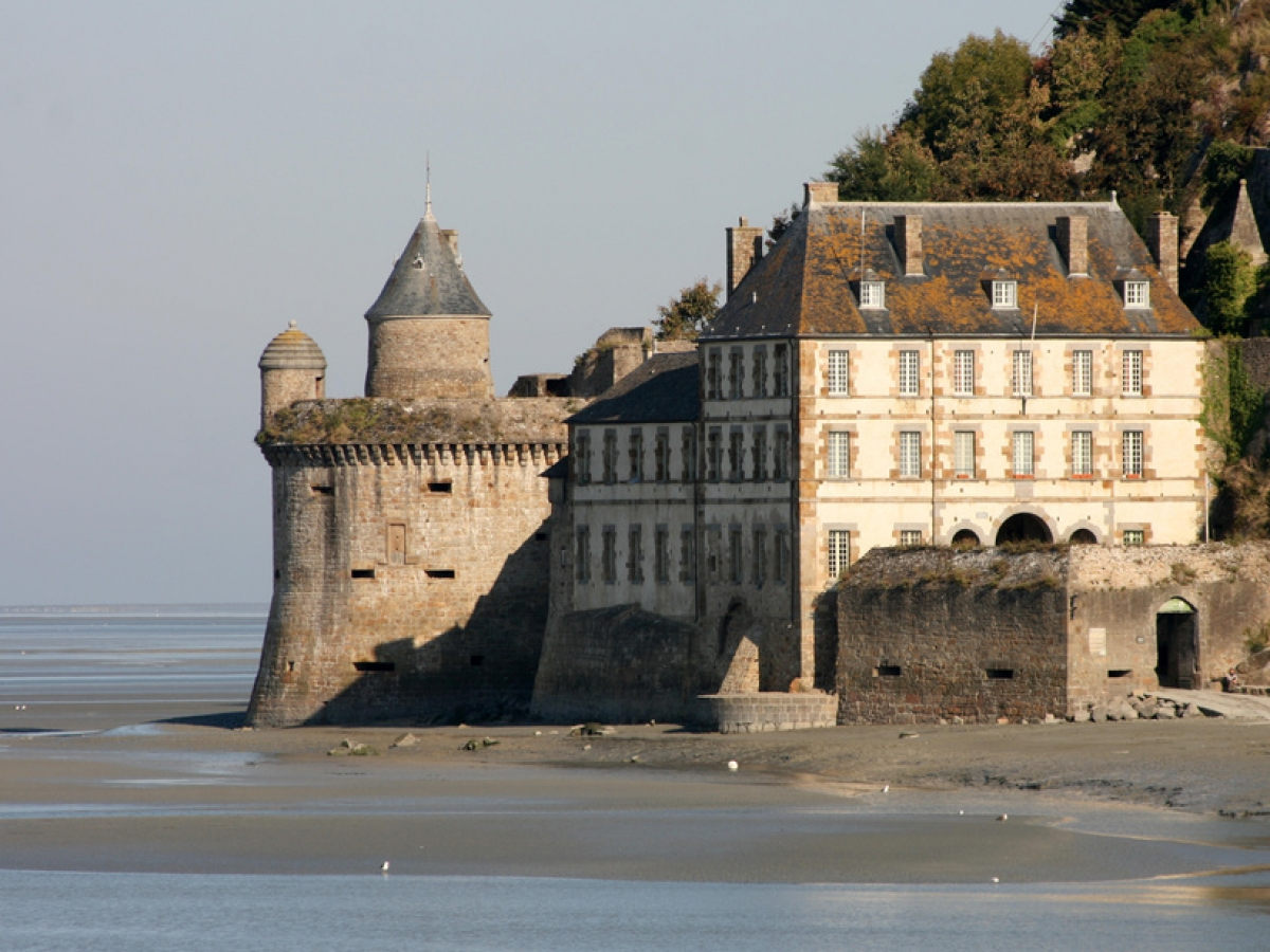 the visit of mont michel is an opportunity to explore neighboring