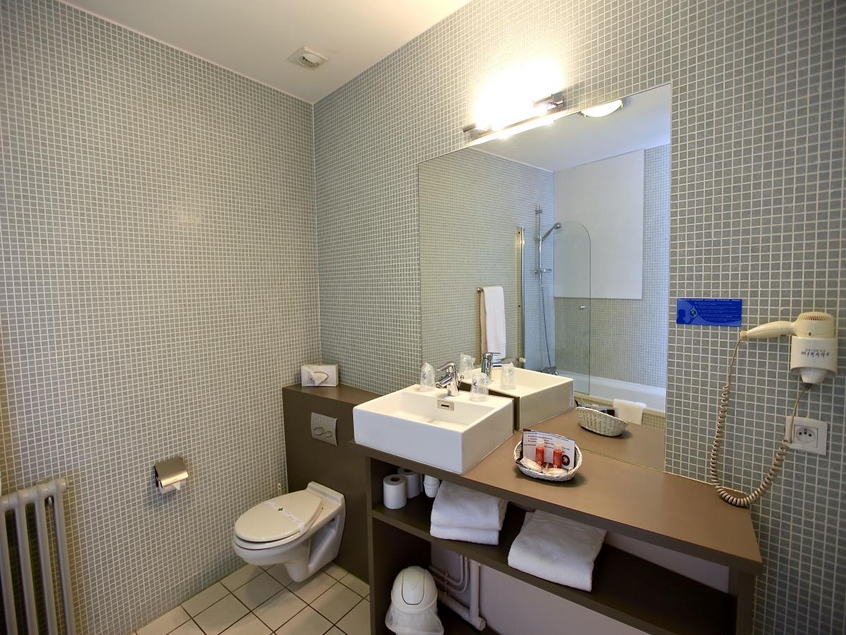Salles de bains chambre famille