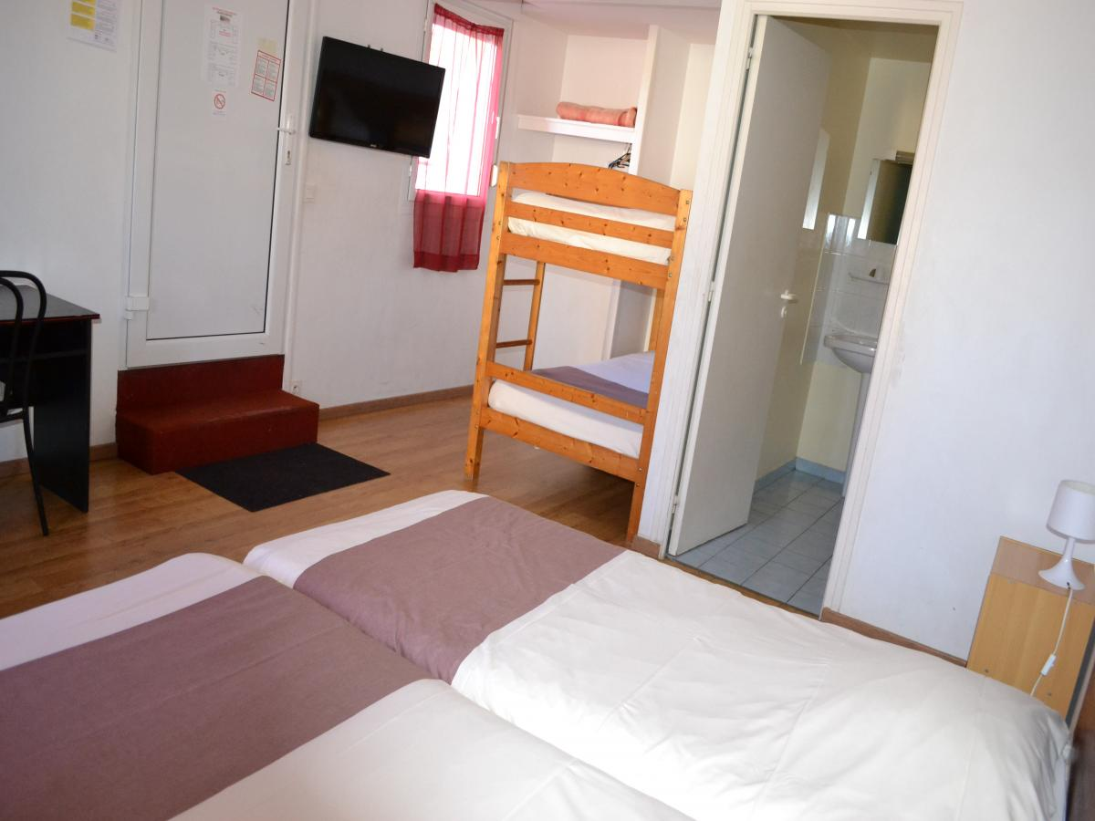 Room 4 persons