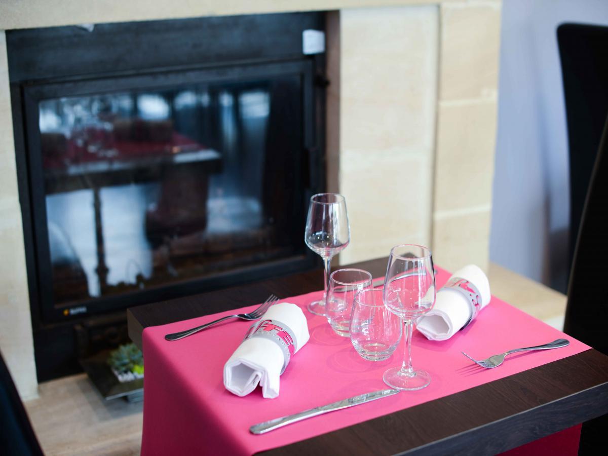 Traditional restaurant in port en bessin - King hotel port en bessin ...