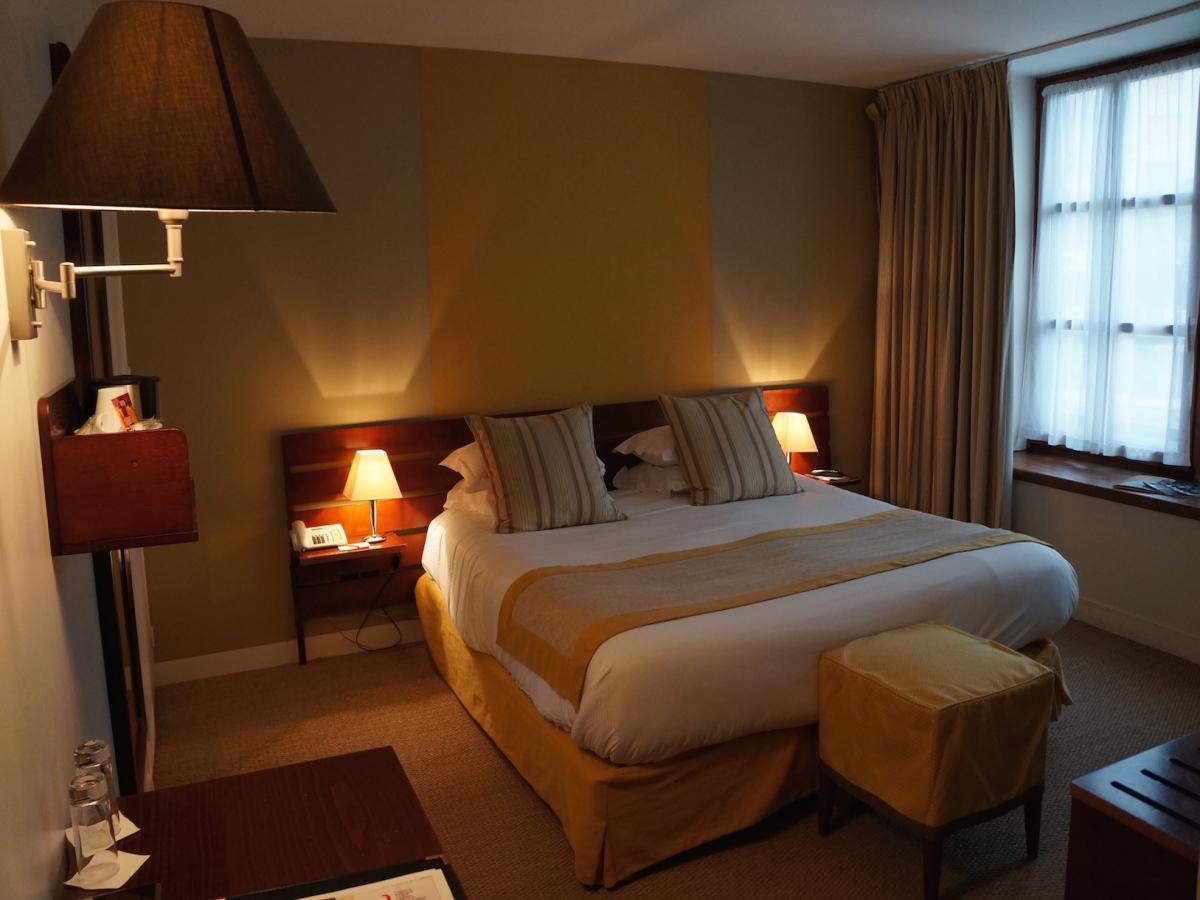 Chambres confort au havre chambres de l 39 h tel les voiles for Hotel la chambre