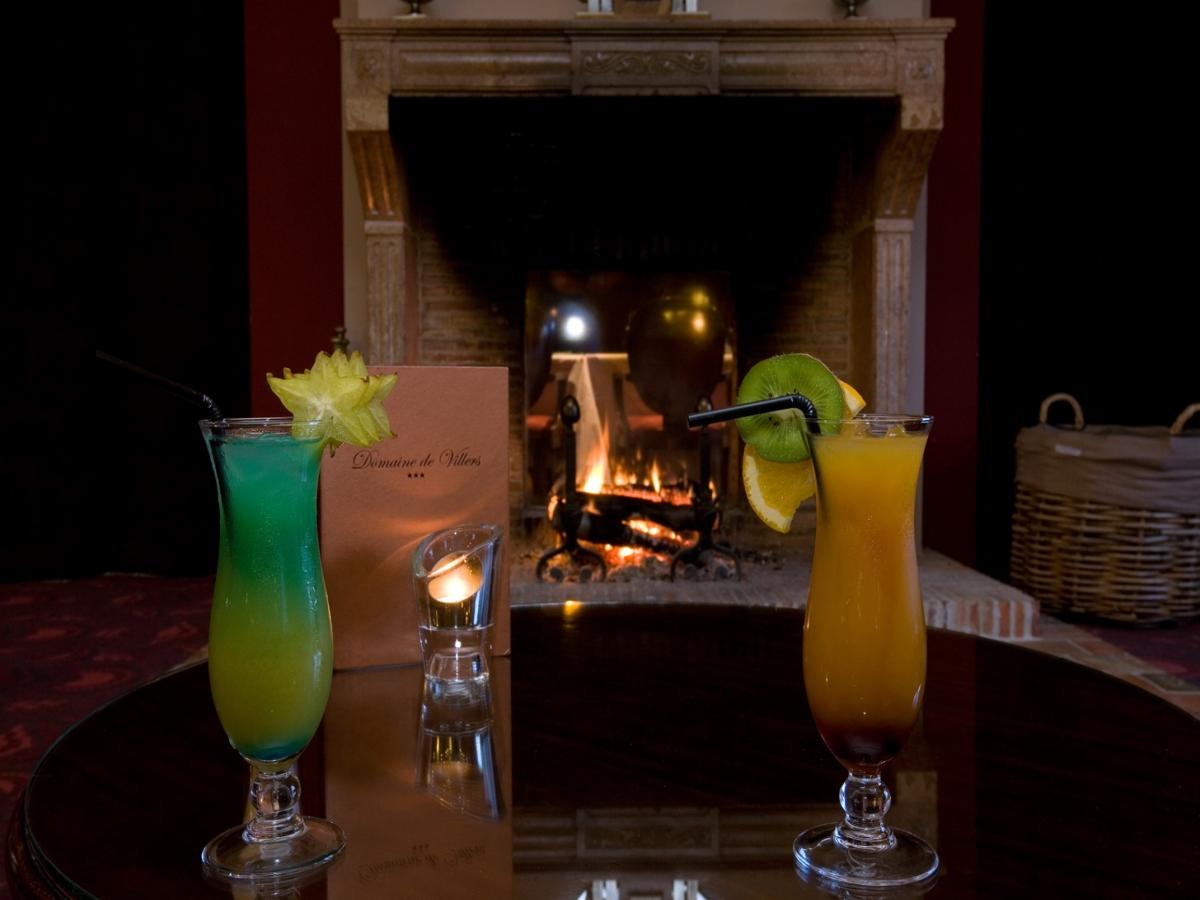 Bar Salon Cheminée près de Deauville