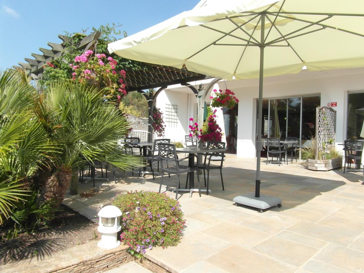 Les sablons hotel restaurant avec terrasse pornic - Restaurant terrasse jardin toulouse le mans ...