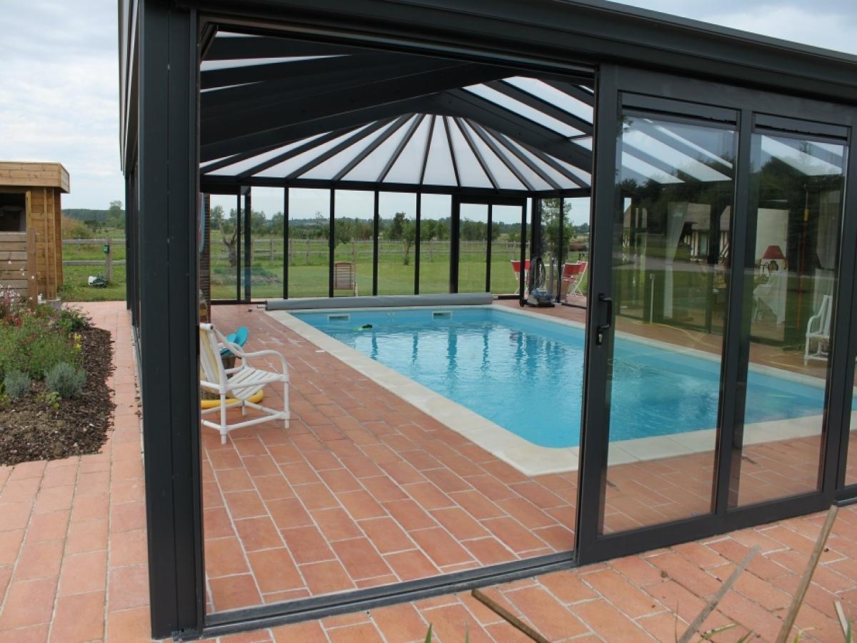 veranda avec piscine excellent vranda surmesure avec piscine with veranda avec piscine. Black Bedroom Furniture Sets. Home Design Ideas