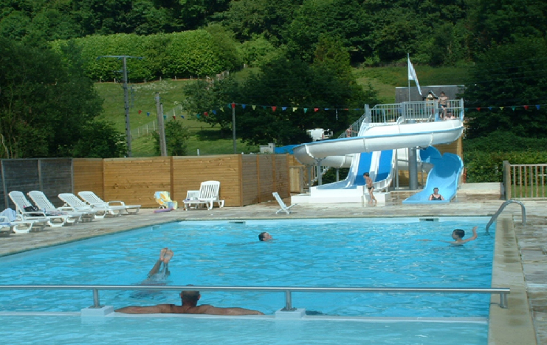 Camping honfleur camping la catini re at the foot of the for Camping haute normandie piscine
