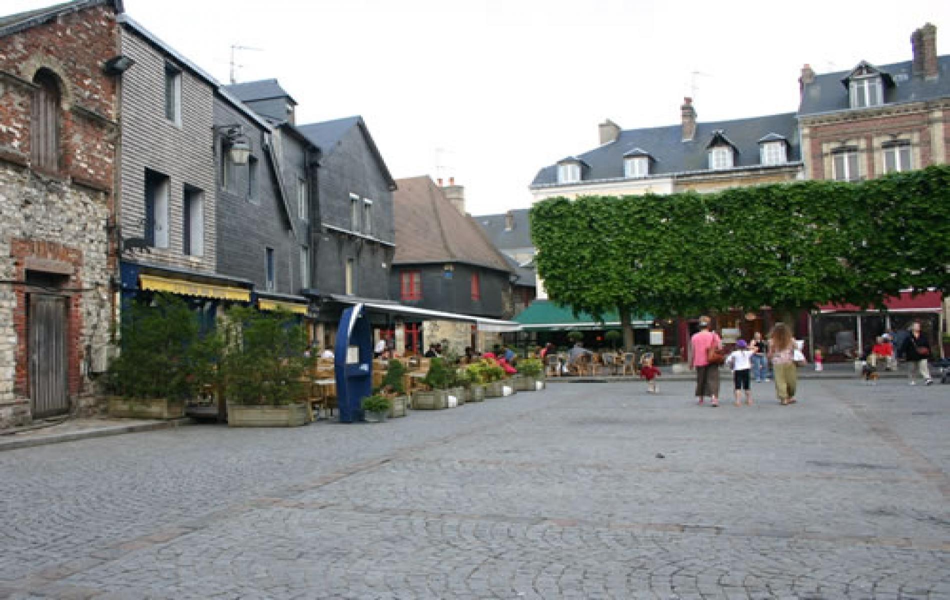 Place Arthur Boudin à Honfleur