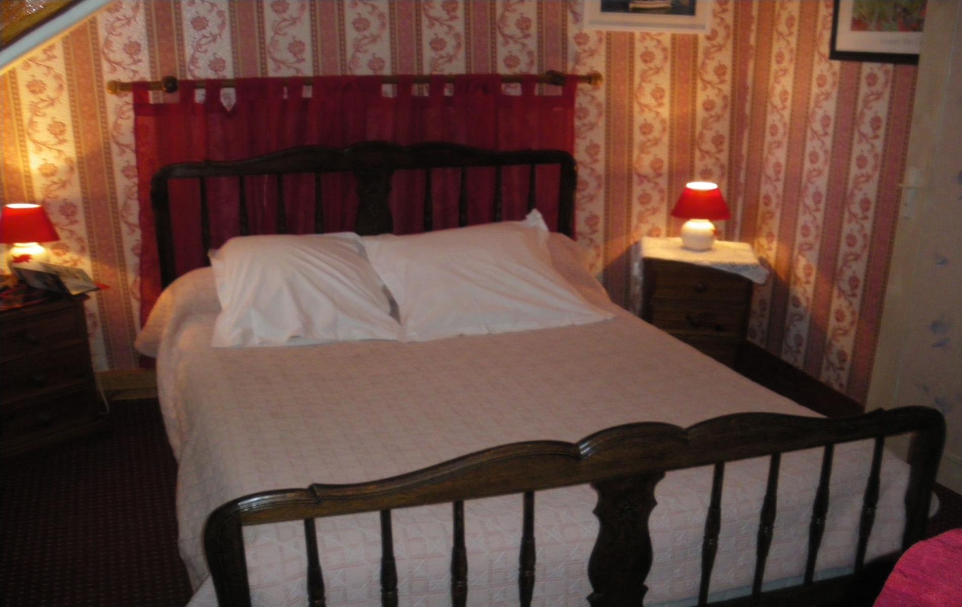 Chambre double rose - 1er étage