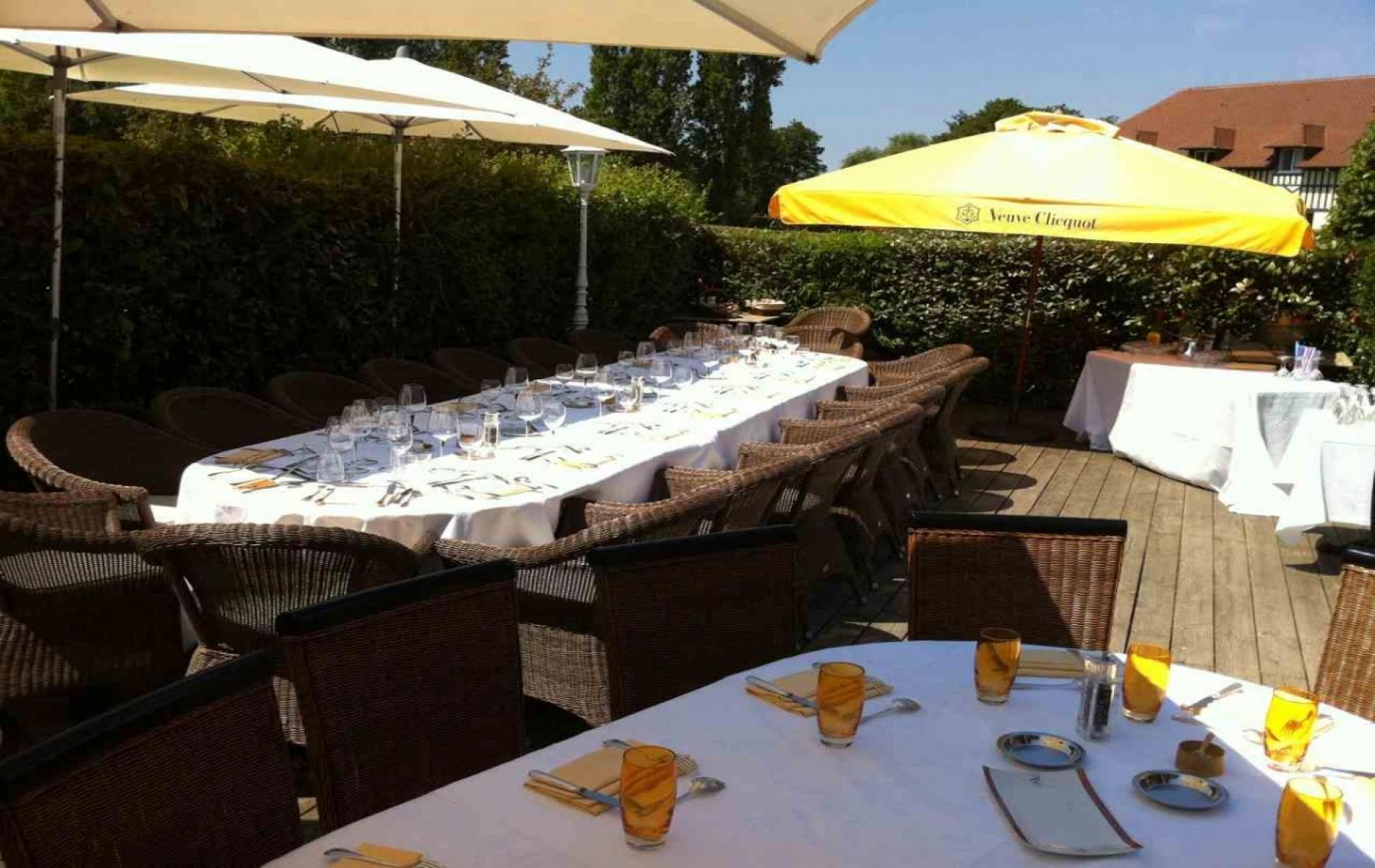 Déjeuner d'affaires au soleil à Deauville