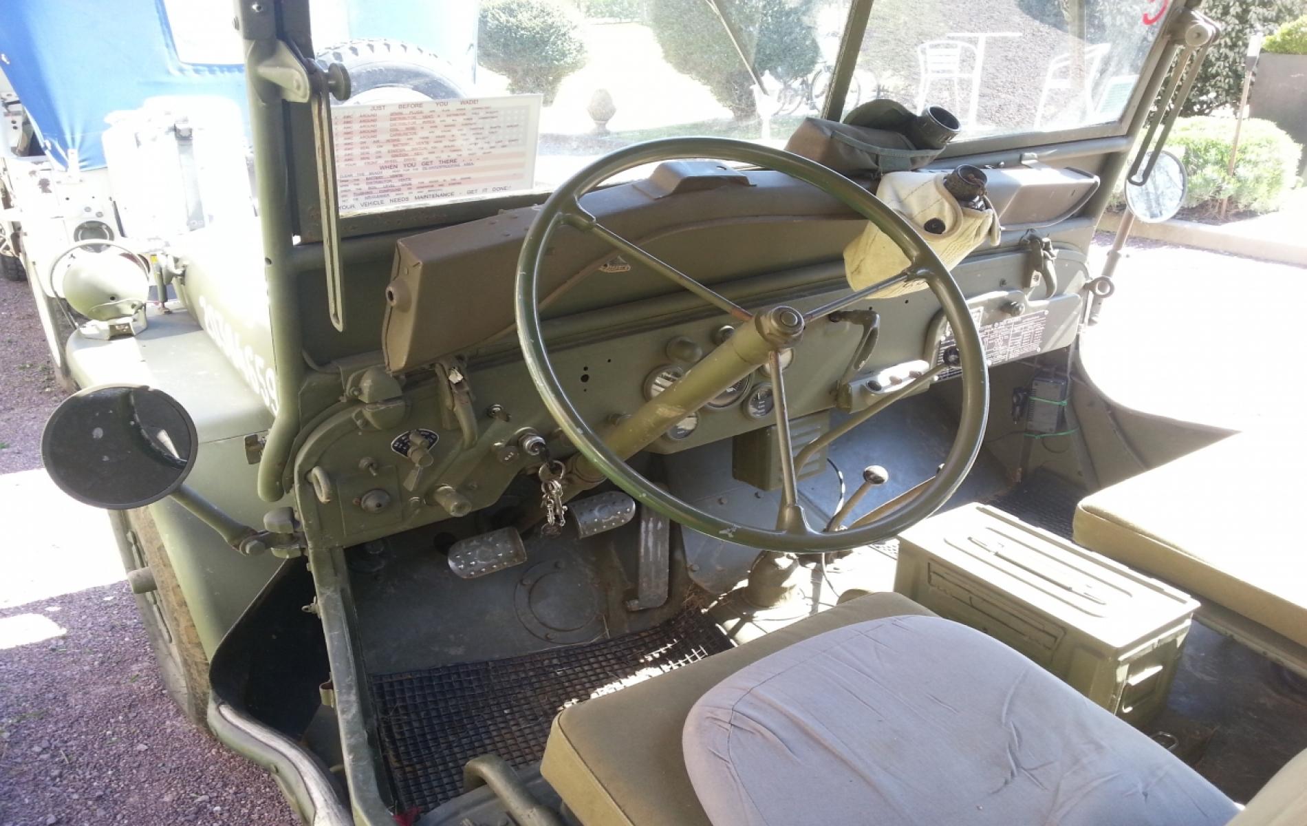 Intérieur d'une Jeep à Deauville