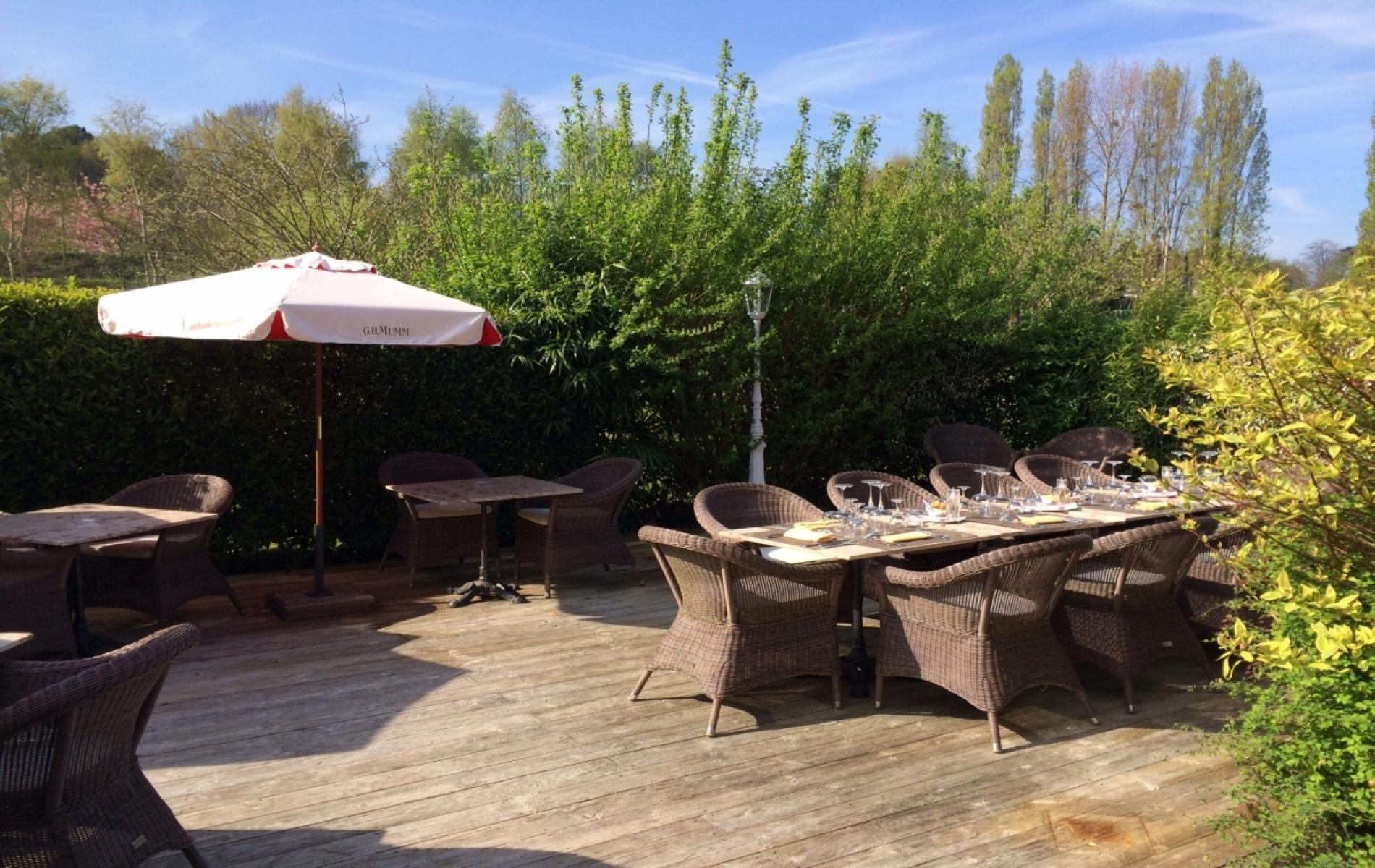 Déjeuner d'entreprise au soleil en Normandie