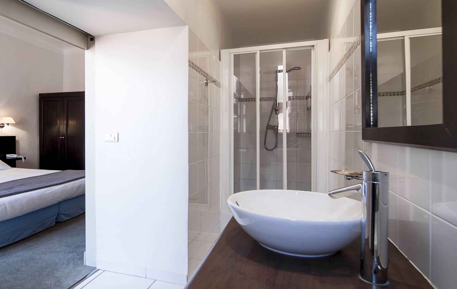 Salle de bain chambre double supérieure