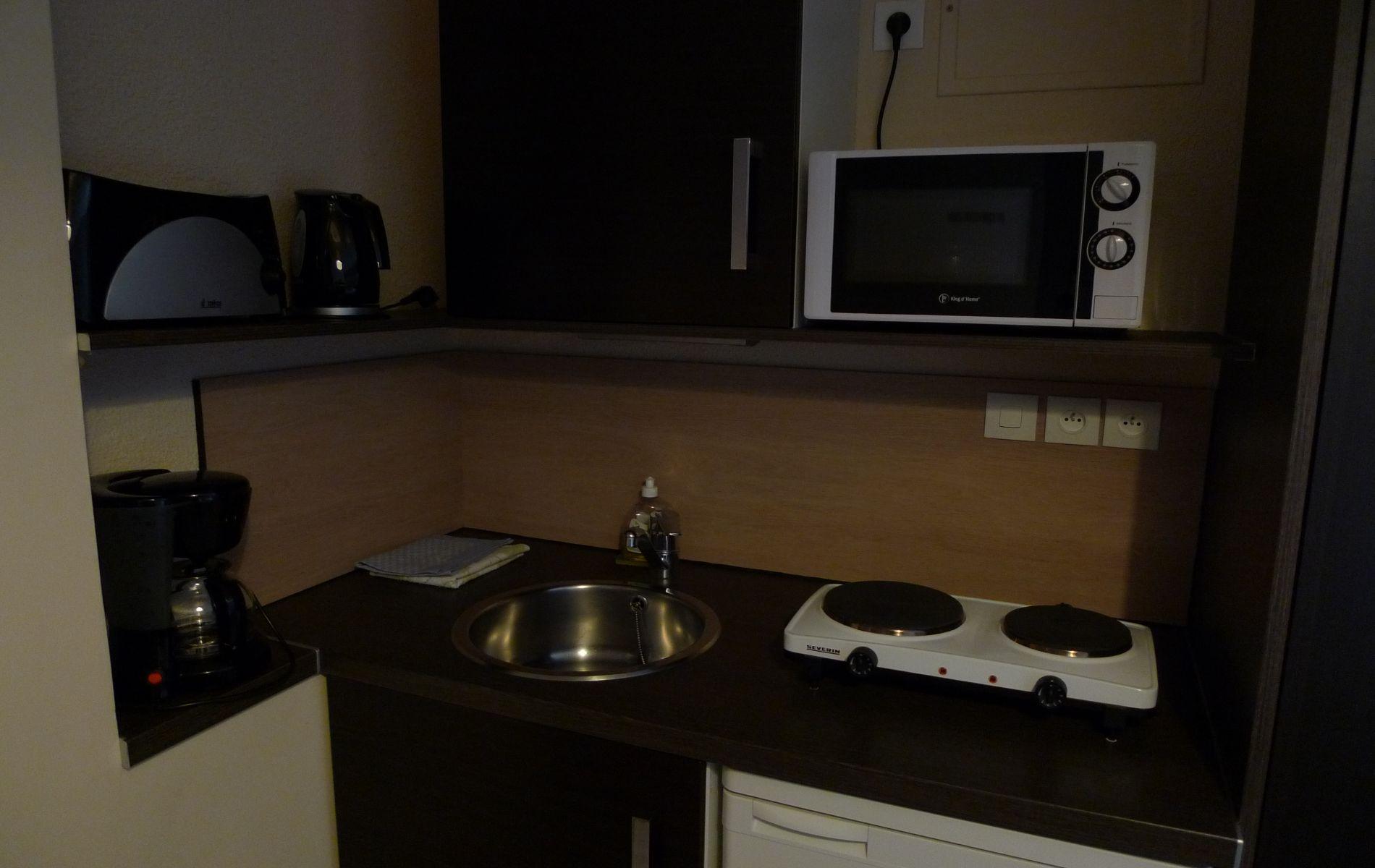 studio standard meubl s caen 2 3 personnes. Black Bedroom Furniture Sets. Home Design Ideas