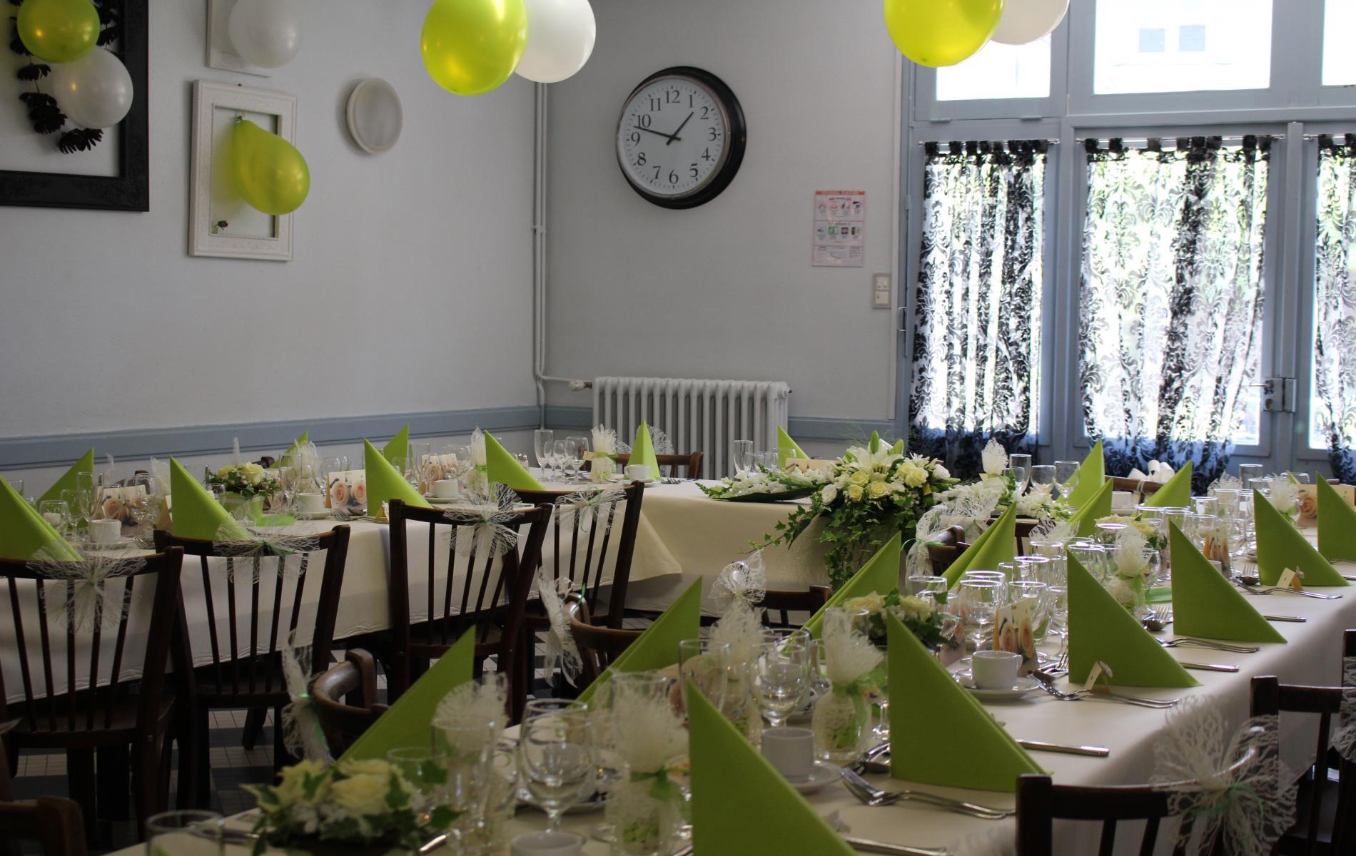 Salle de réception ou repas professionnels pour 25 personnes