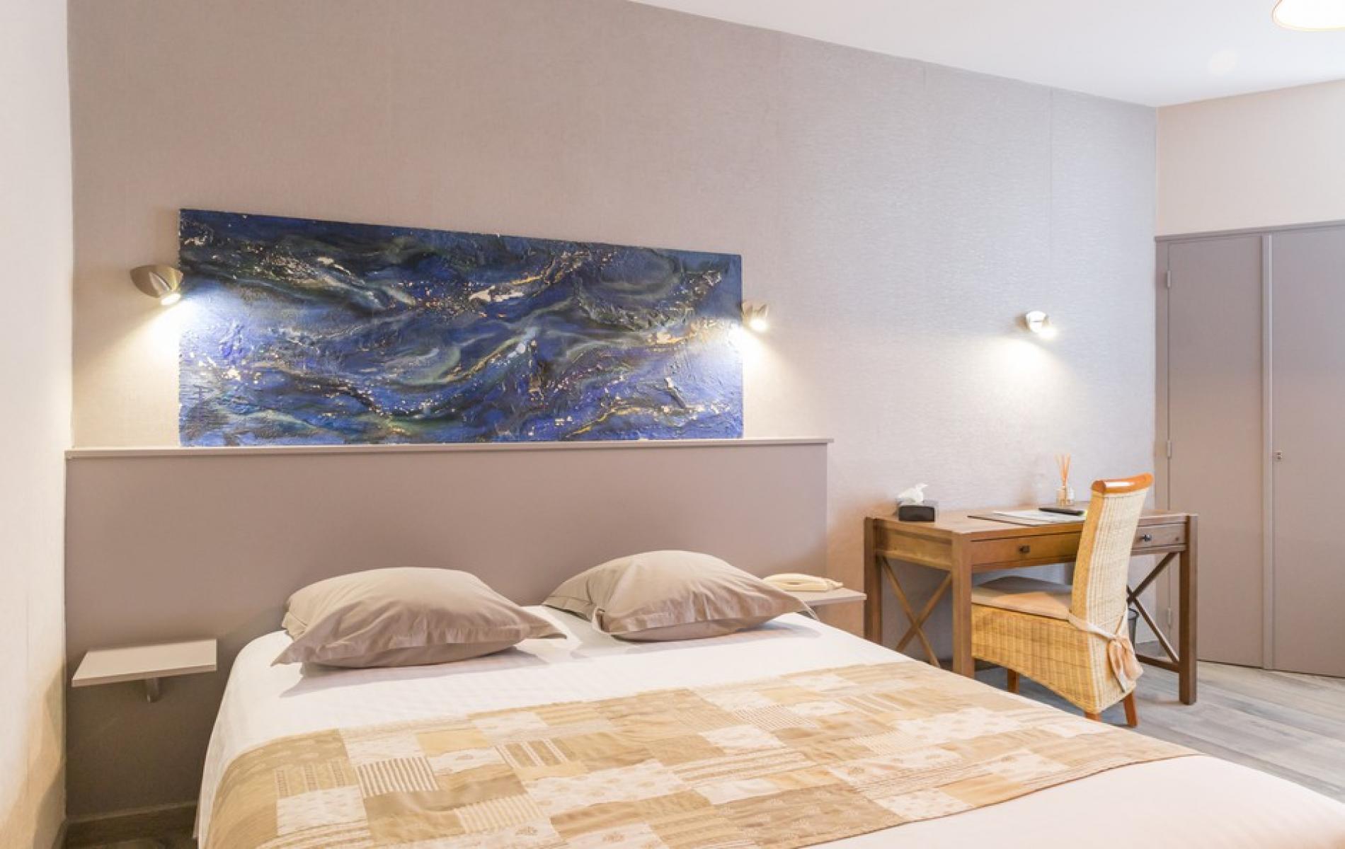 Chambre grand lit pour 1 personne
