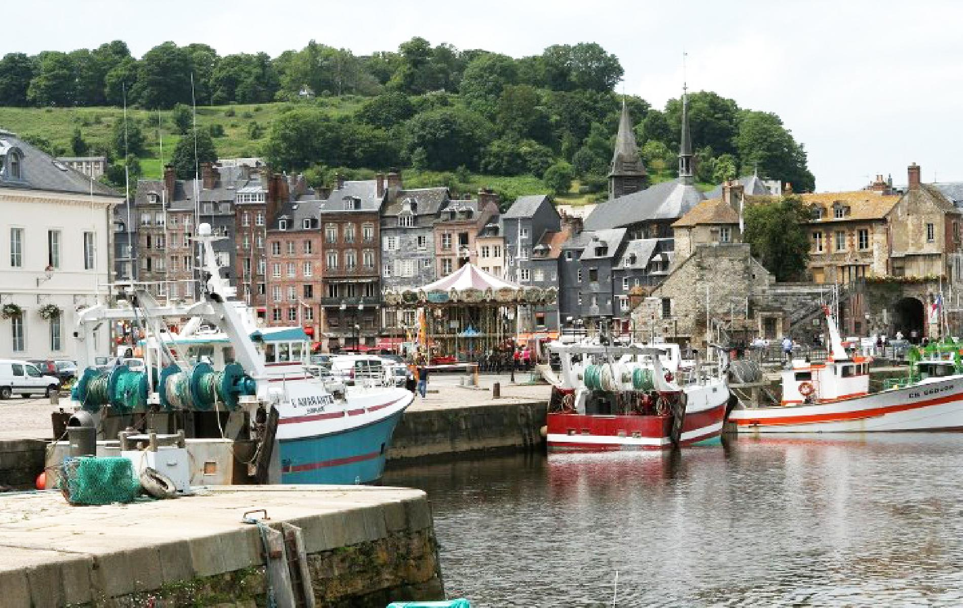 Tourism honfleur stay 10 minutes from honfleur for Appart hotel etretat