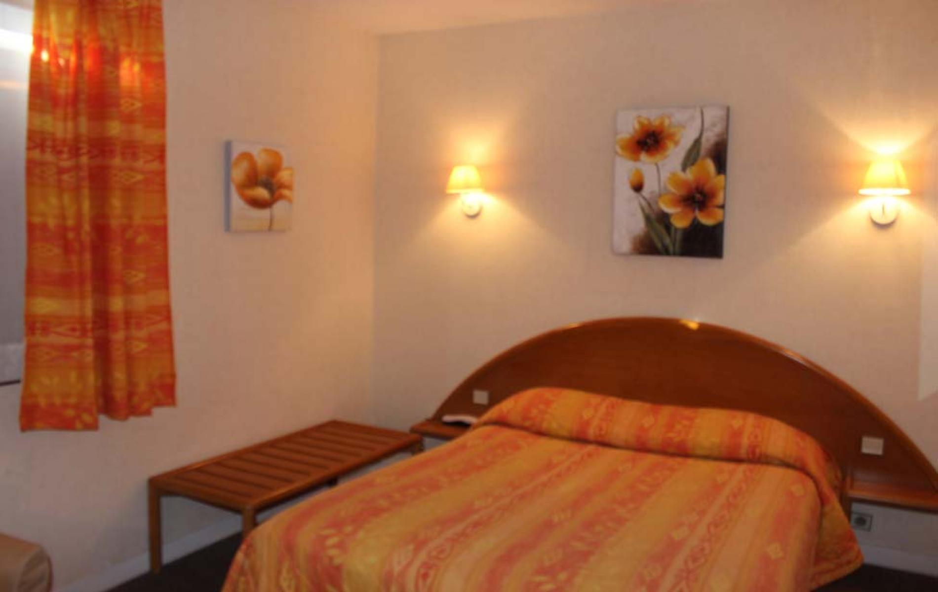 Logis Hotel Aurea à Saintes