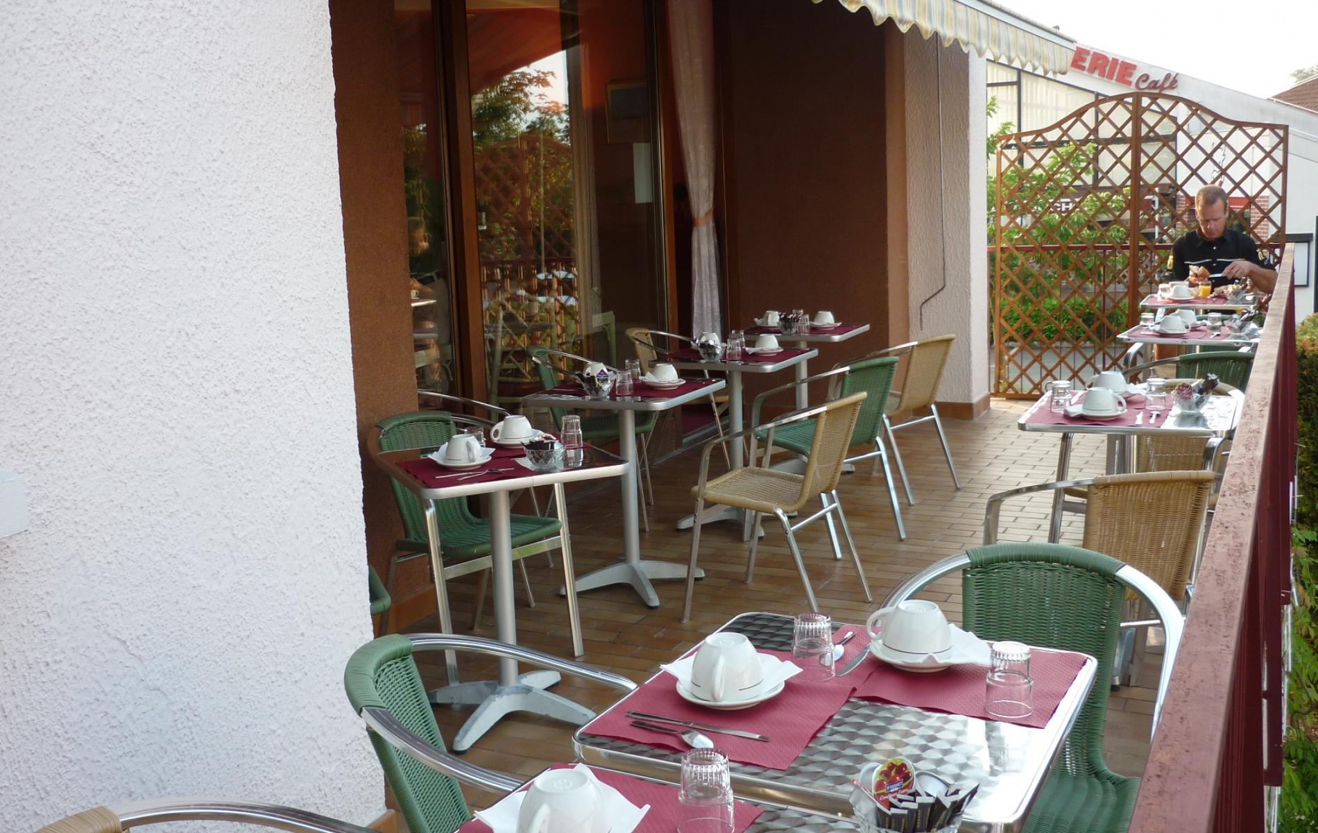 terrasse petit dejeuner bar