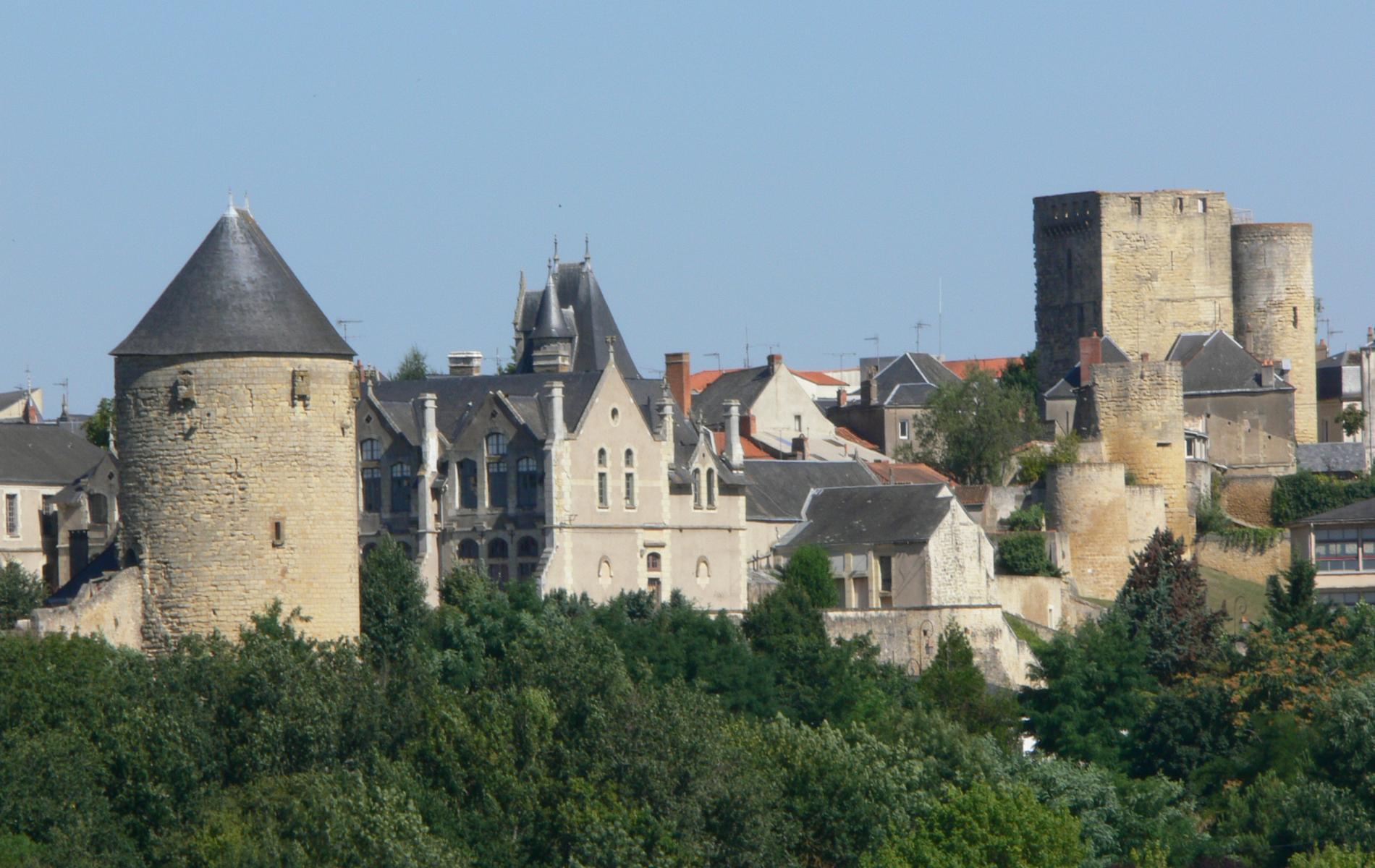 le vieux Thouars