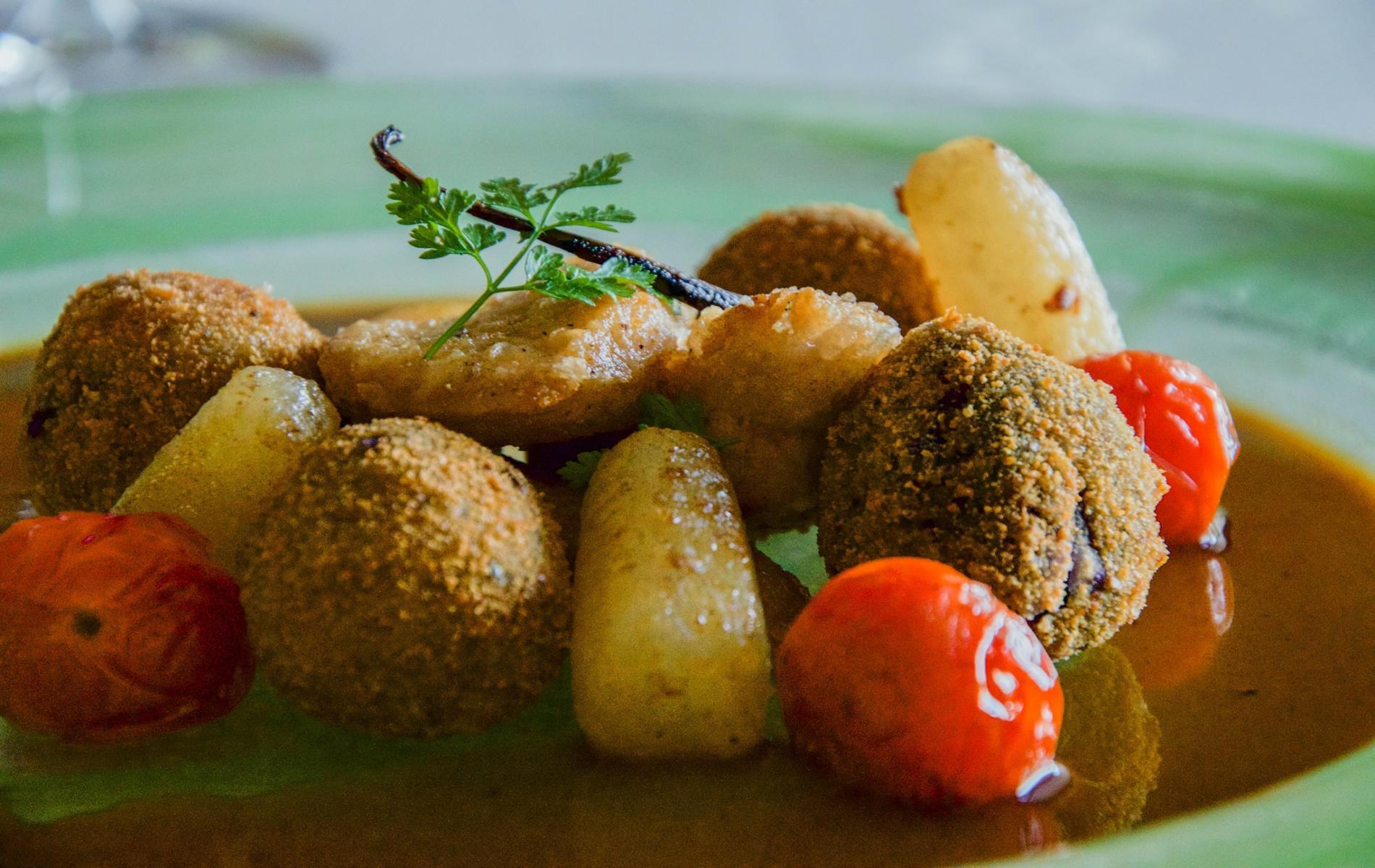 Grillons de ris de veau cromequis de vitelotte