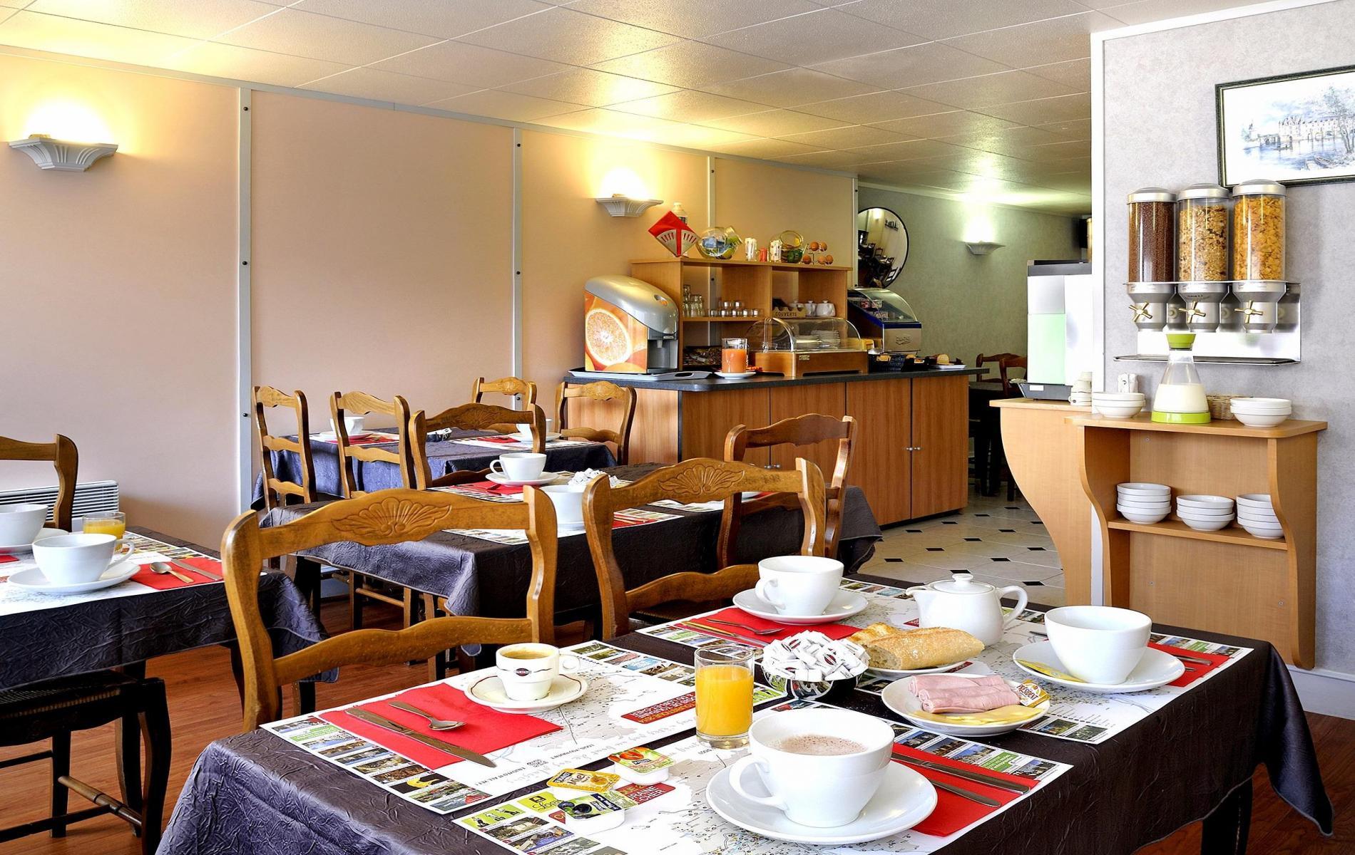 PETIT-DEJEUNER BUFFFET DE 7H00 A 10H00- Sur demande Early Breakfast