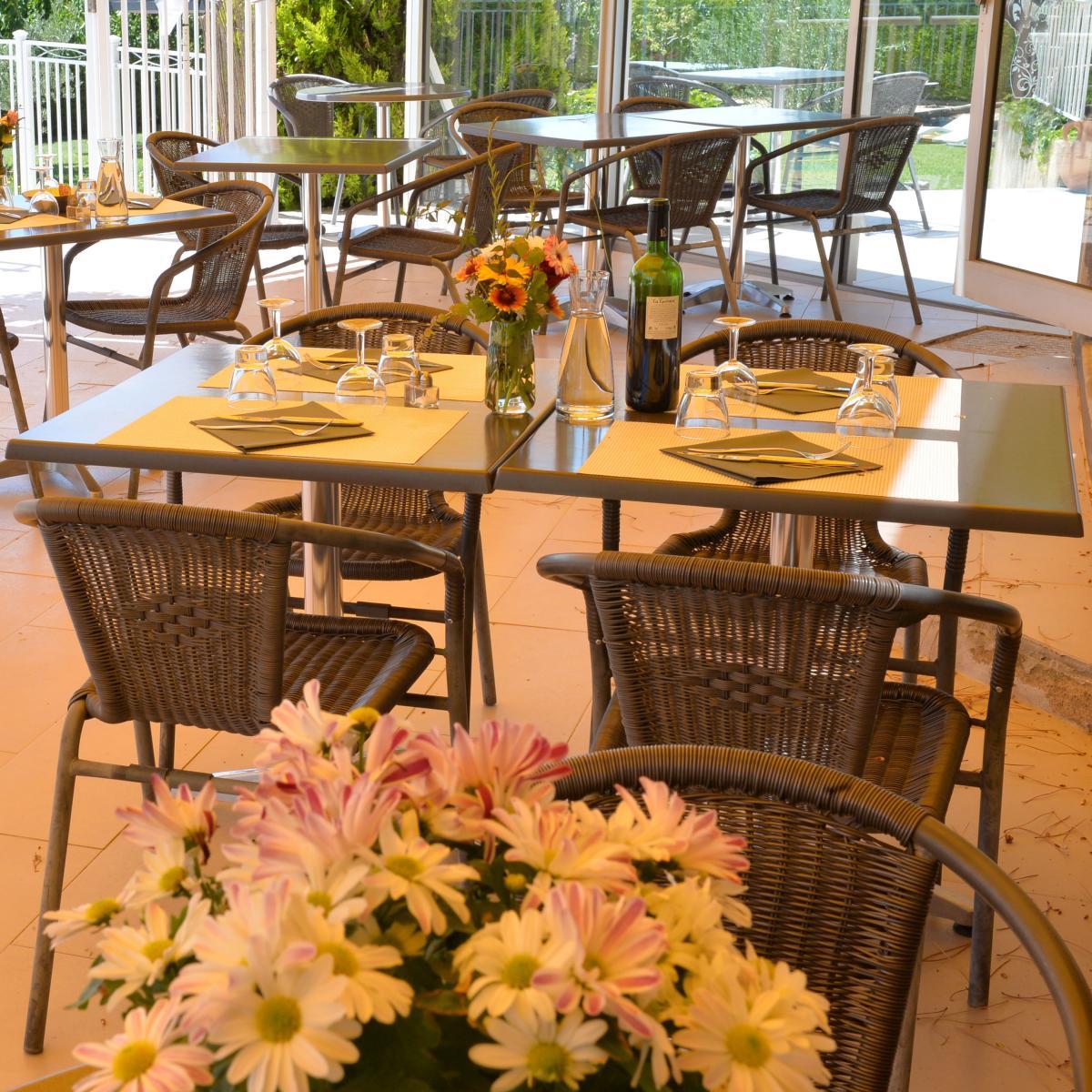 Restaurant familial avec terrasse, proche de lourmarin et de Cucuron
