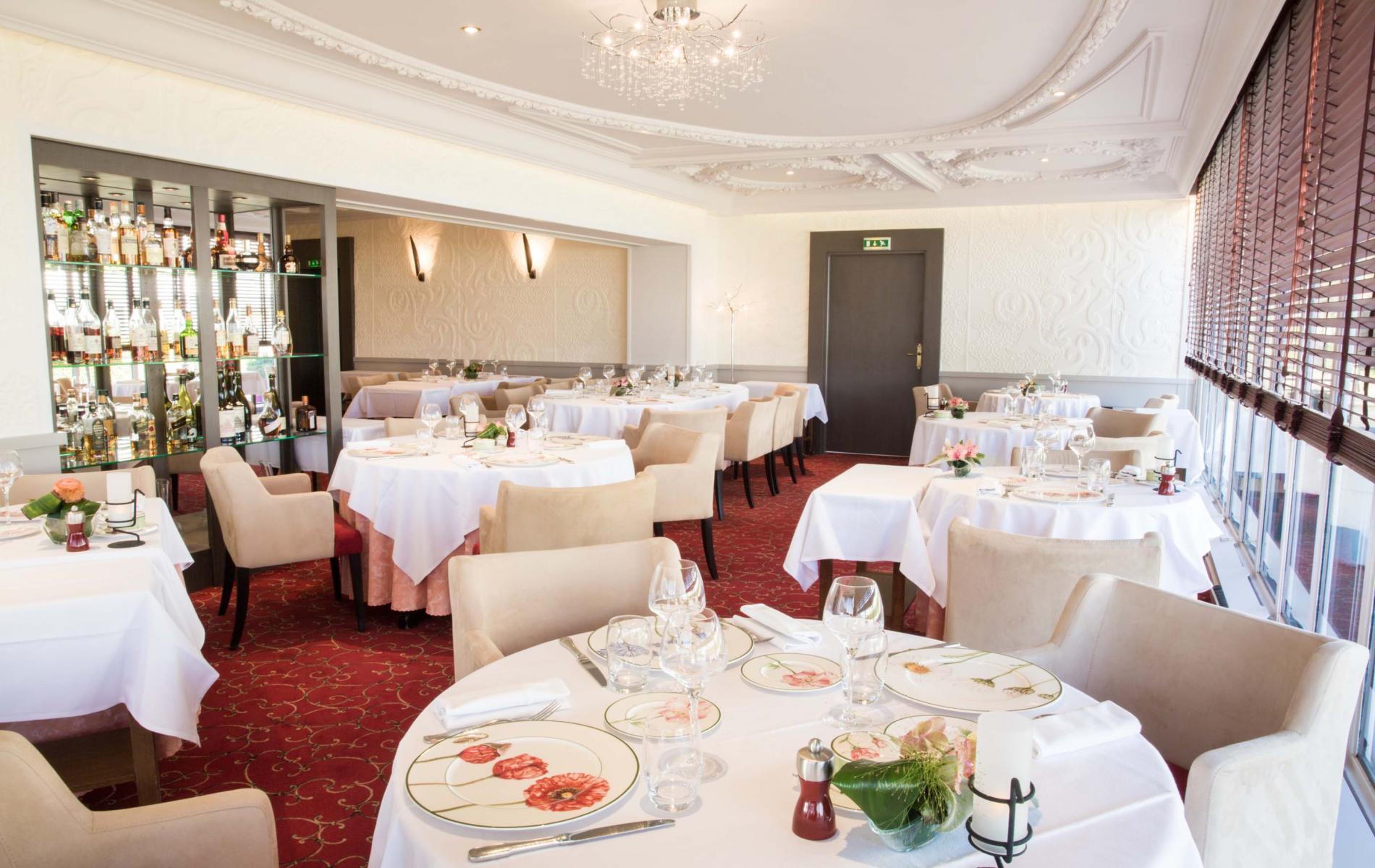 Town center Blois Hotel