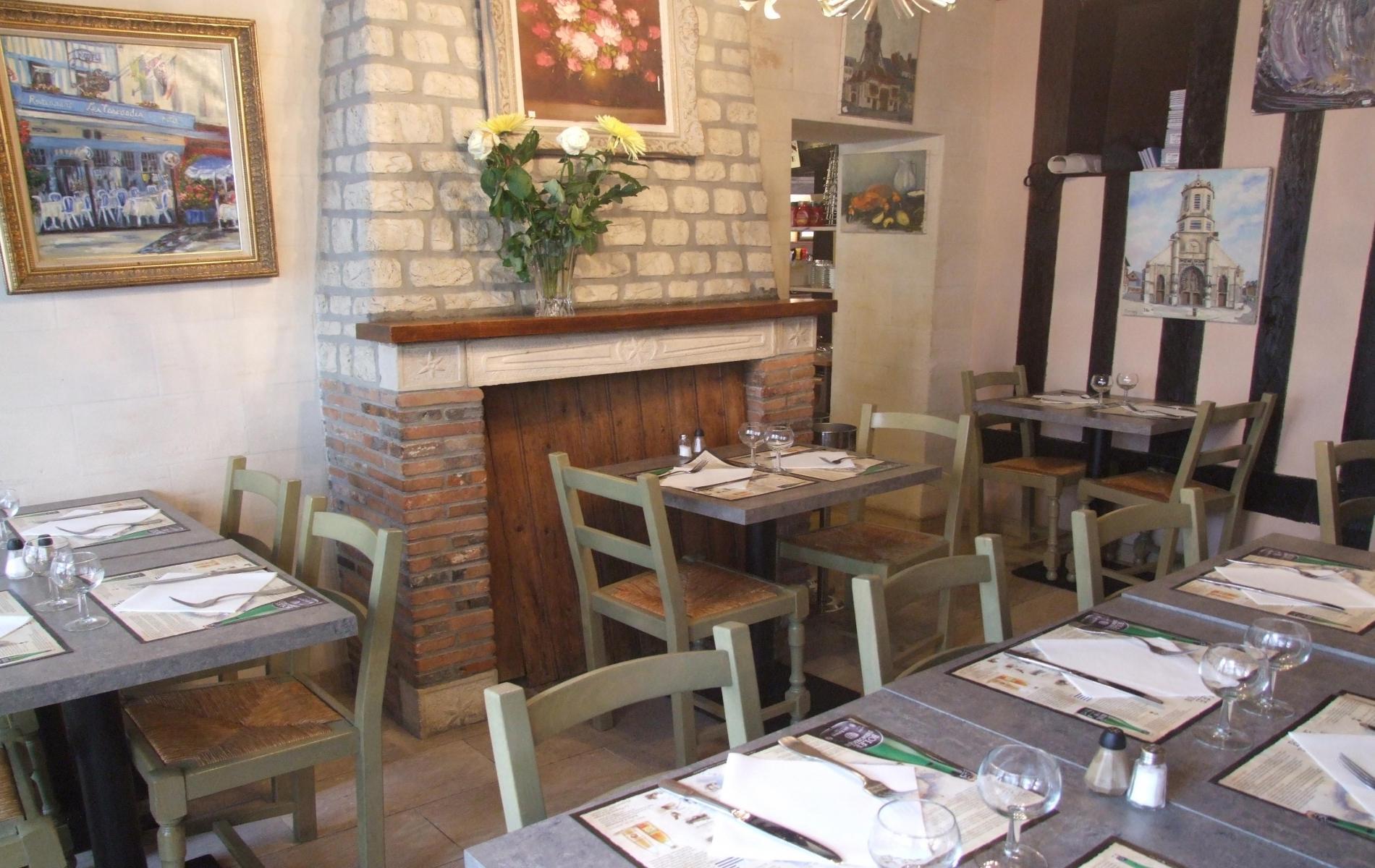 Restaurant au centre du vieux Honfleur