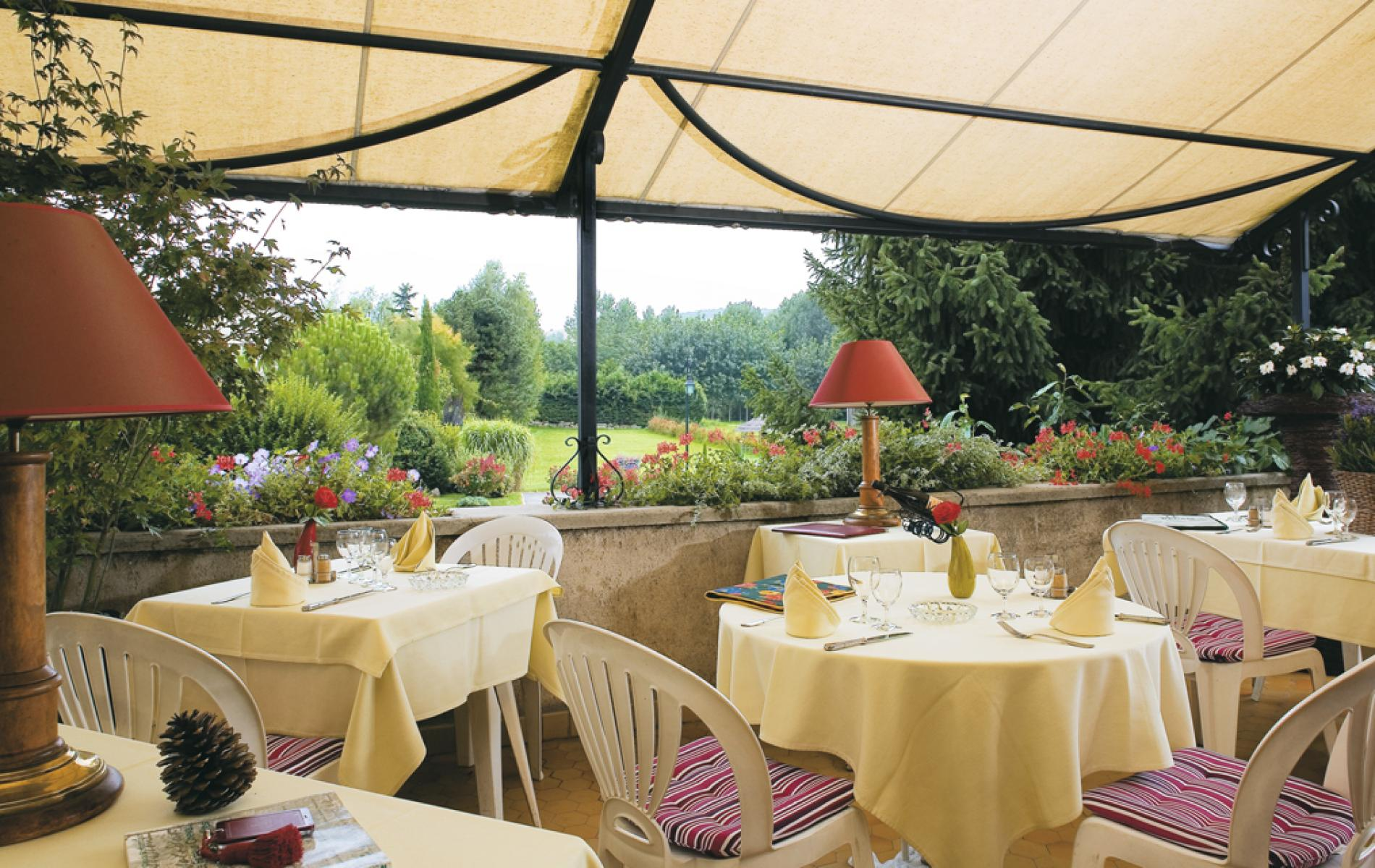 Boutique hotel in hauterives le relais 2 star hotel with for Special boutique hotels