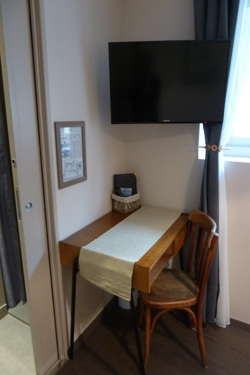 tarifs et offres de l auberge du vieux lanas pr s des gorges de l ard che. Black Bedroom Furniture Sets. Home Design Ideas