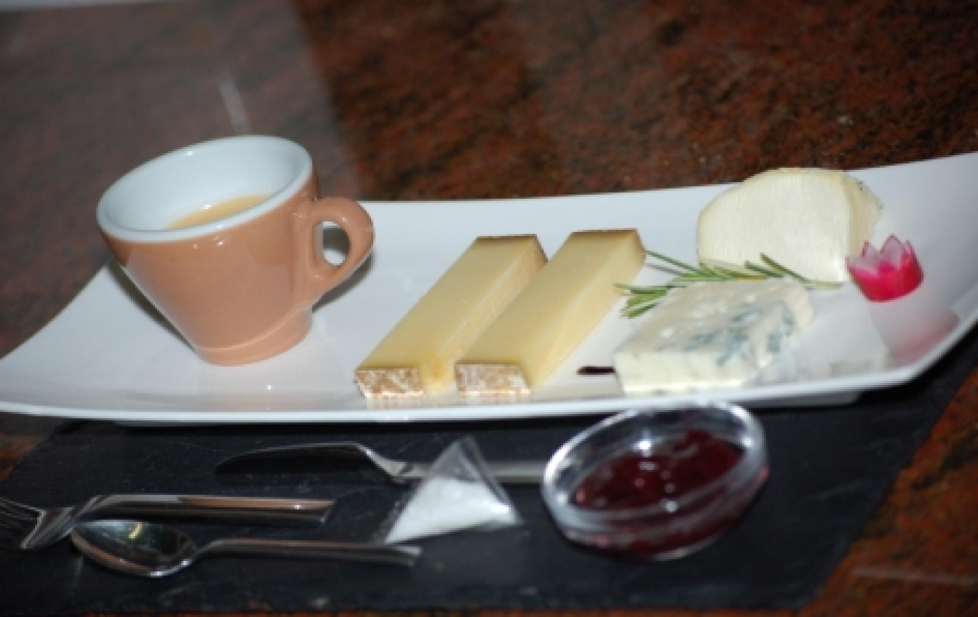CAFE GOURMAND VERSION FROMAGES