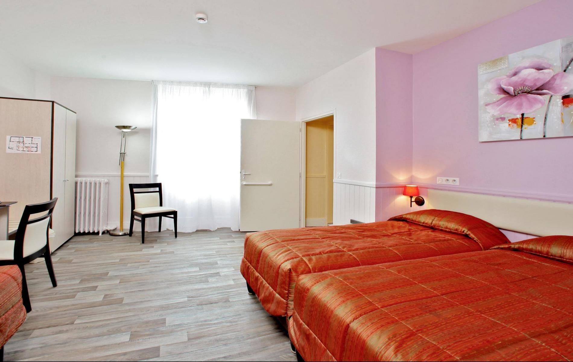 Chambres l 39 auberge de la terrasse la chataigneraie en for 2 chambres communicantes