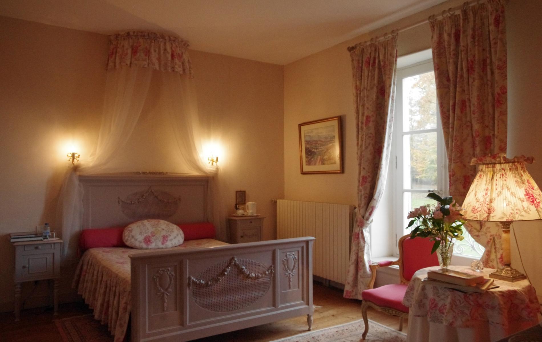 Hotel Le Mans Les Chambres Spacieuses Domaine De Chateany