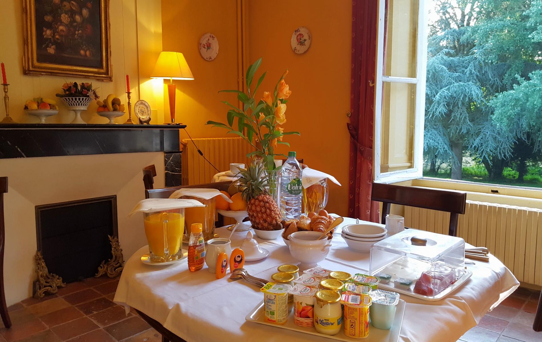 Nos petits-déjeuners sont servis sous forme de buffet