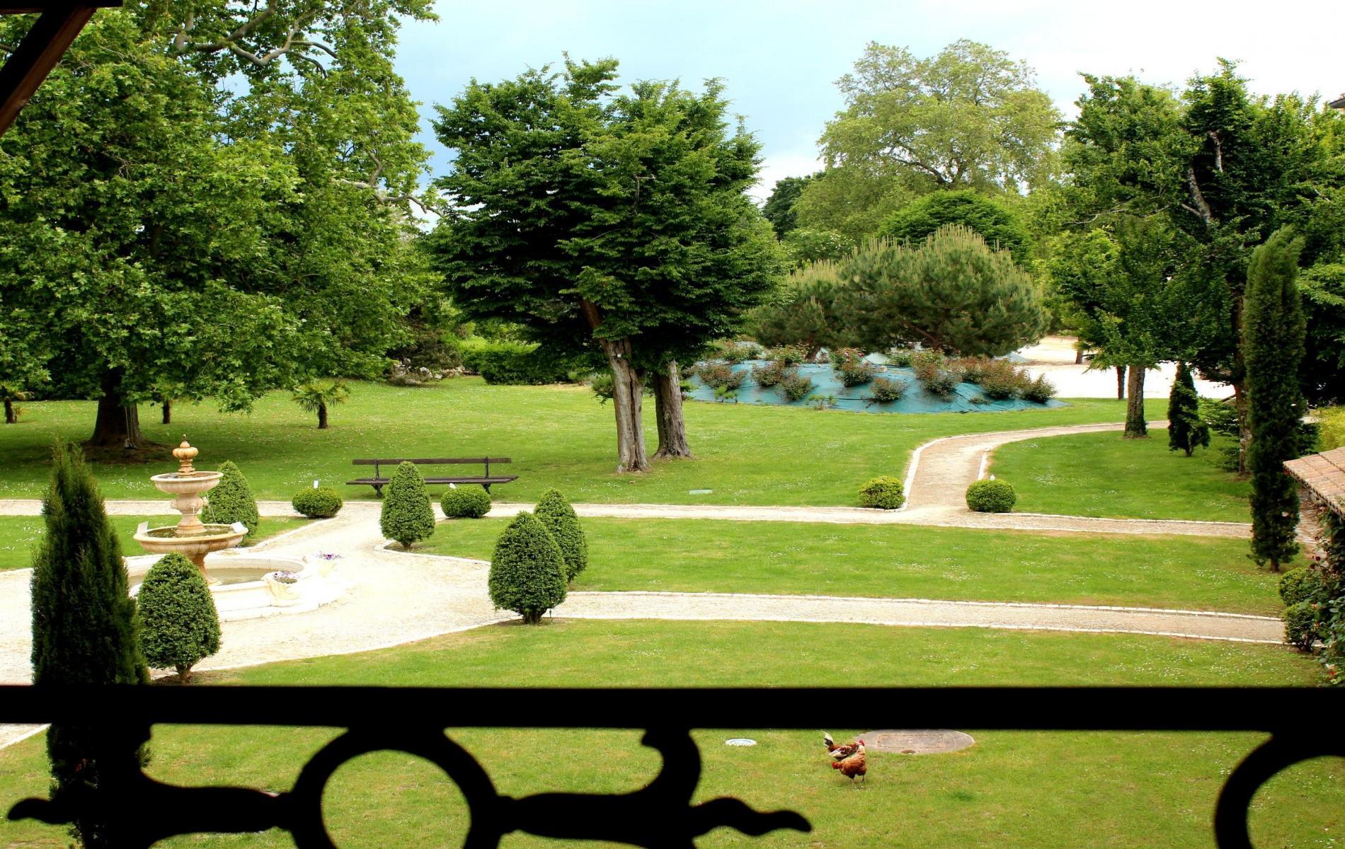 Domaine des chais h tel restaurant proche de saintes en for Restaurant yvelines avec jardin