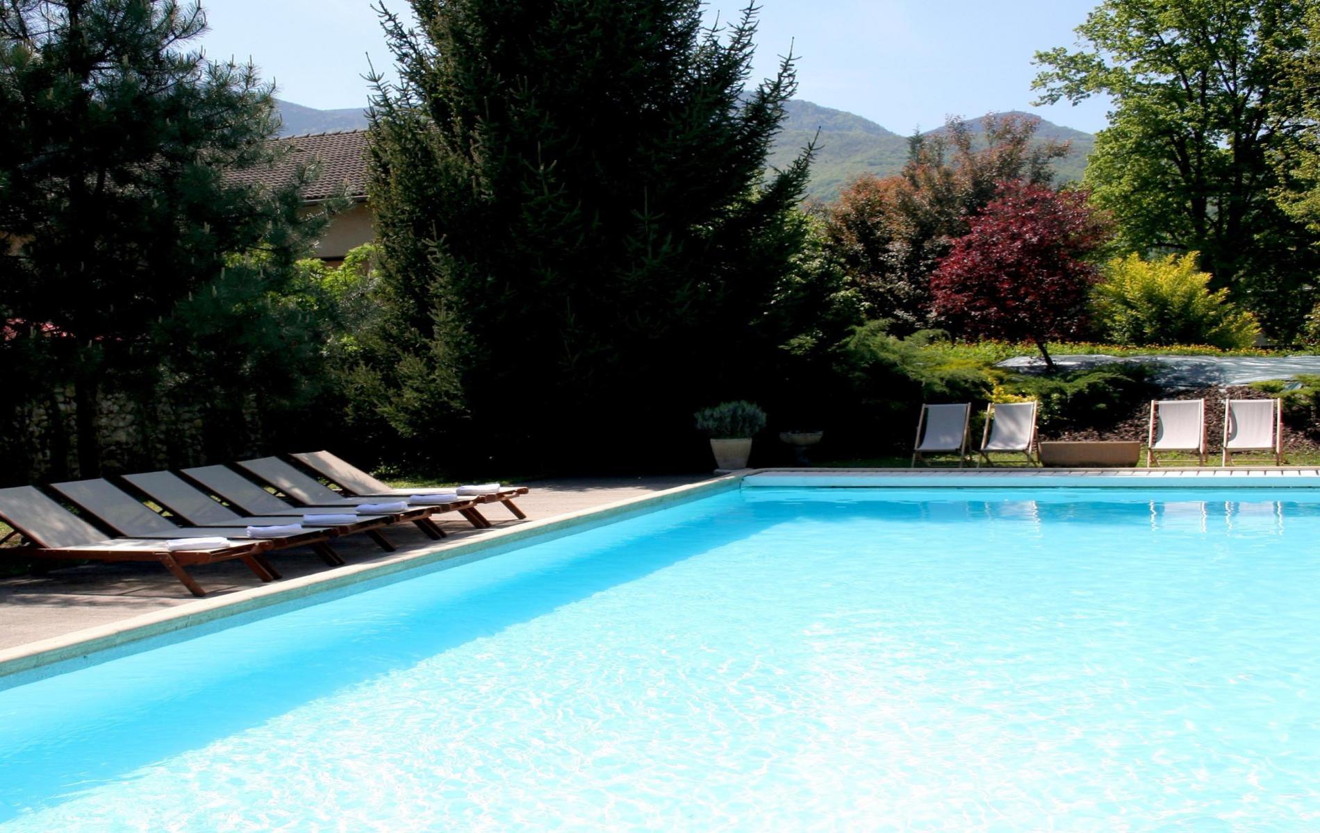Hotel avec piscine entre grenoble et valence for Piscine grenoble