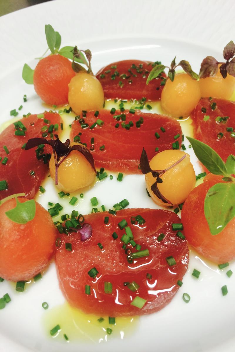 carpaccio de thon, melon et pastèque