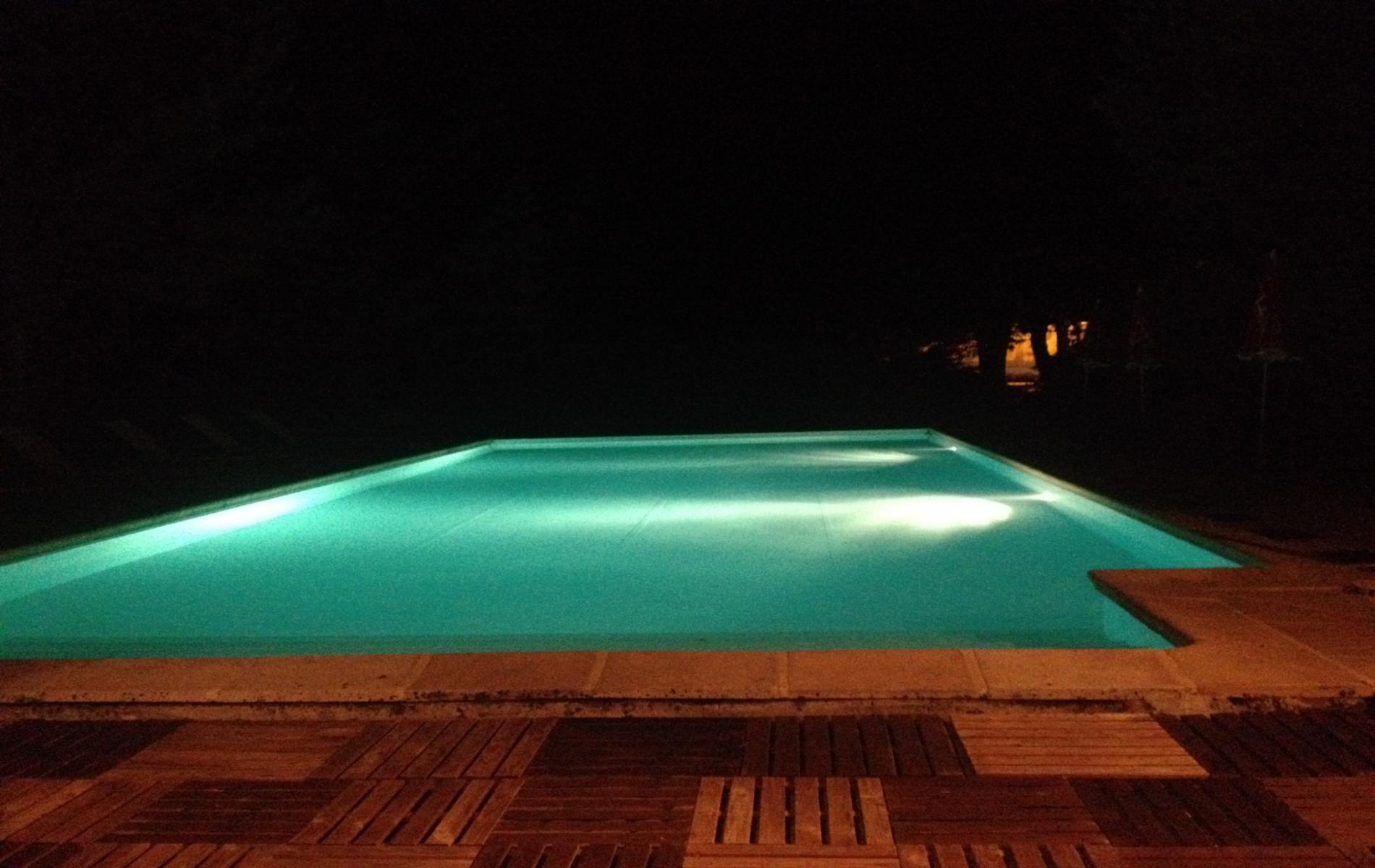 hotel avec piscine entre grenoble et valence. Black Bedroom Furniture Sets. Home Design Ideas