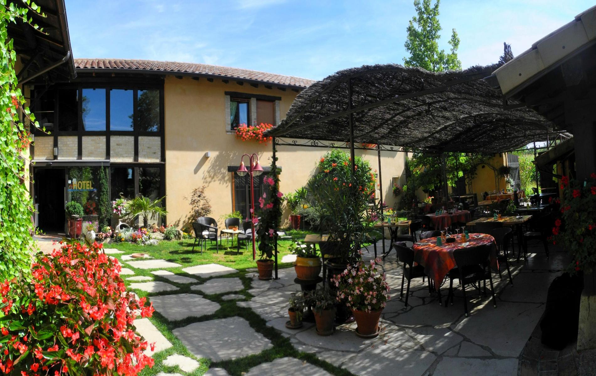 Restaurant avec jardin proche villefranche sur saone for Resto avec jardin