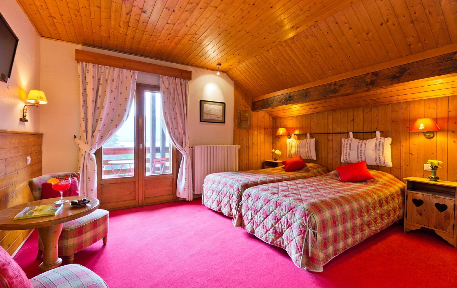 Tarifs et offres du logis h tel la charpenterie talloires for Chambre double lits jumeaux