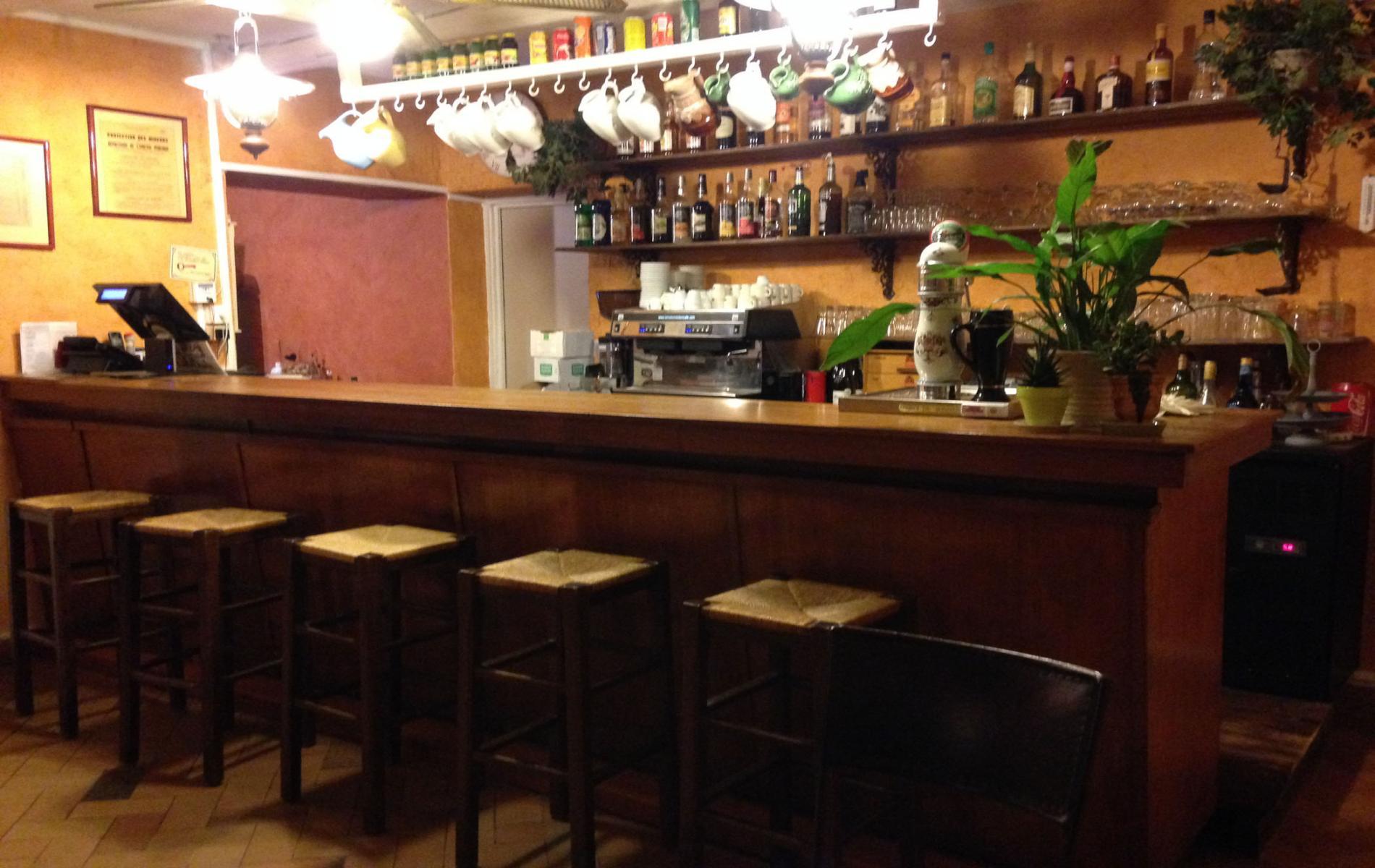 H U00f4tel Avec Restaurant  Bar Et Terrasse Au C U0153ur Du Gard